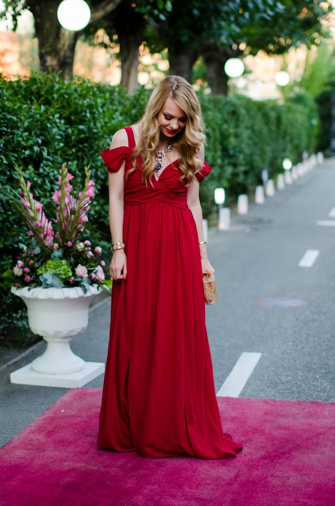 shein-red-maxi-dress-zara-statement-necklace-wedding-outfit (3)
