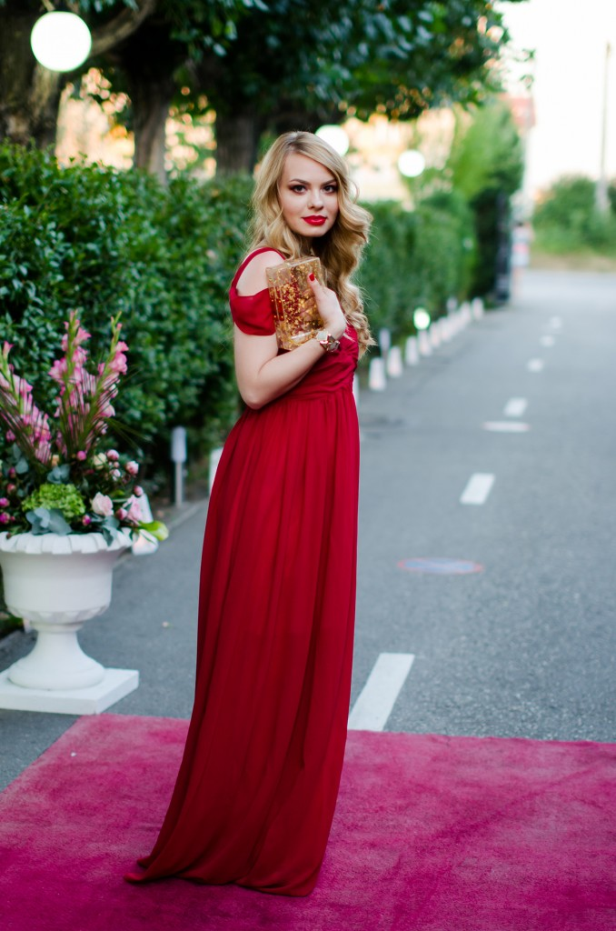 shein-red-maxi-dress-zara-statement-necklace-wedding-outfit (4)