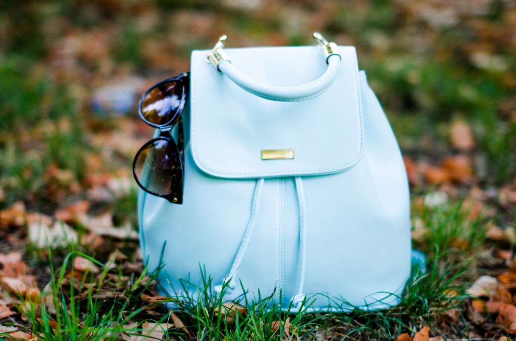 zaful-baby-blue-backpack-zerouv-cateye-sunglasses