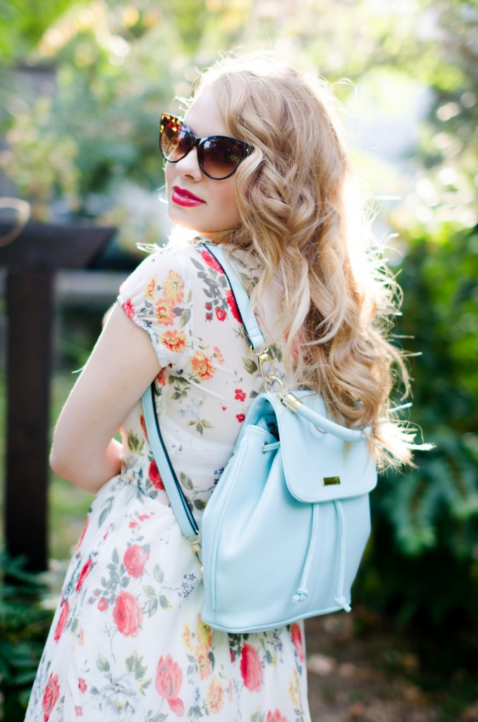 zara-floral-dress-zaful-baby-blue-backpack-zerouv-cateye-sunglasses-red-flats (10)