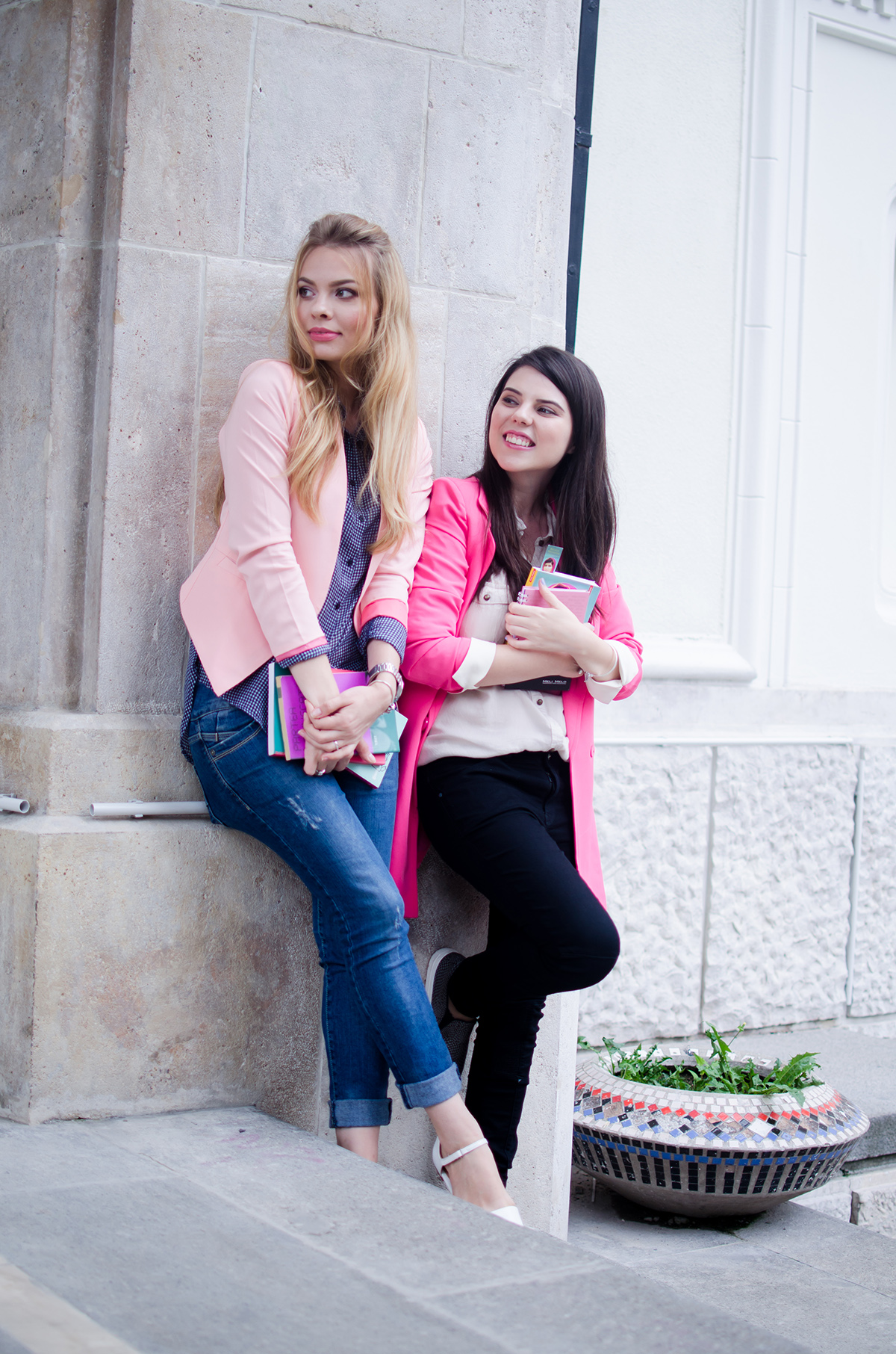 pink-blazer-skinny-jeans-white-pointed-flats-blue-backback-back-to-college (4)