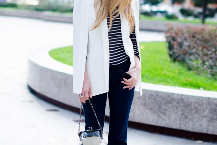 flared-jeans-stripes-white-cape-jacket (4)