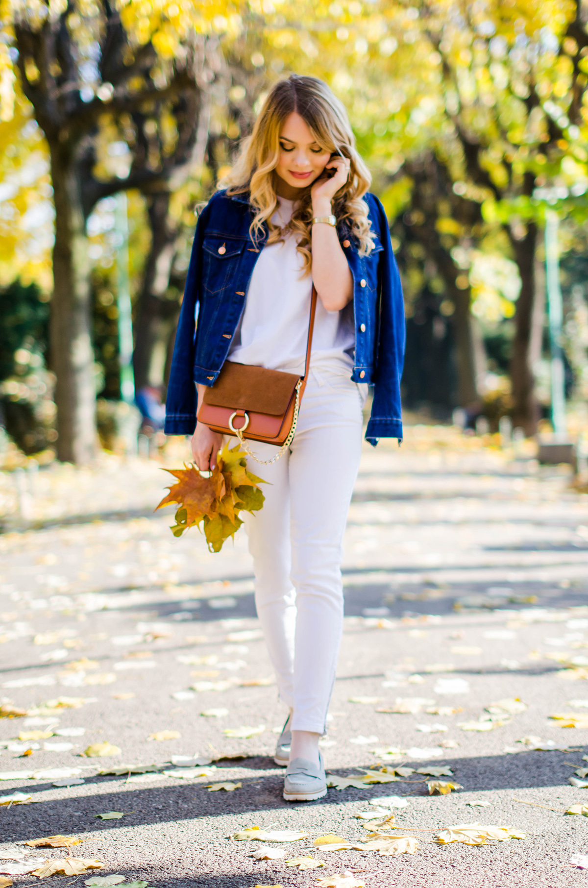 ALL-WHITE-OUTFIT-DENIM-JACKET-CHLOE-BAG-AUTUMN (13)