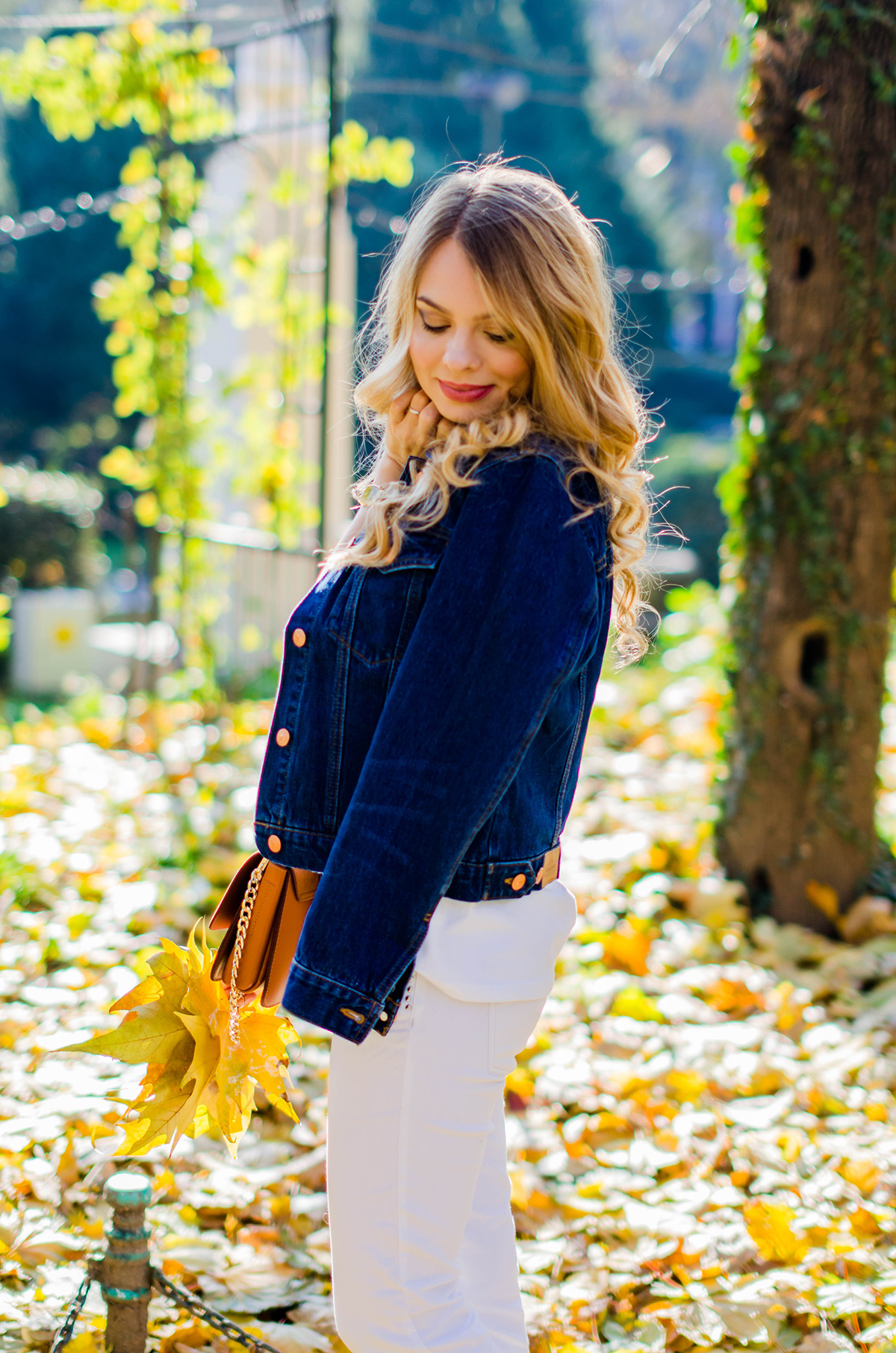 ALL-WHITE-OUTFIT-DENIM-JACKET-CHLOE-BAG-AUTUMN (14)