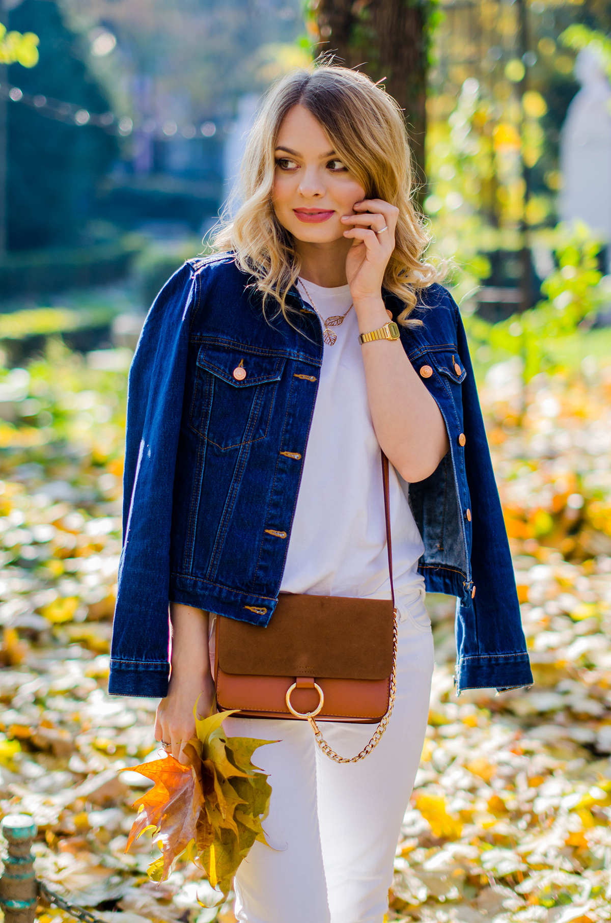 ALL-WHITE-OUTFIT-DENIM-JACKET-CHLOE-BAG-AUTUMN (2)
