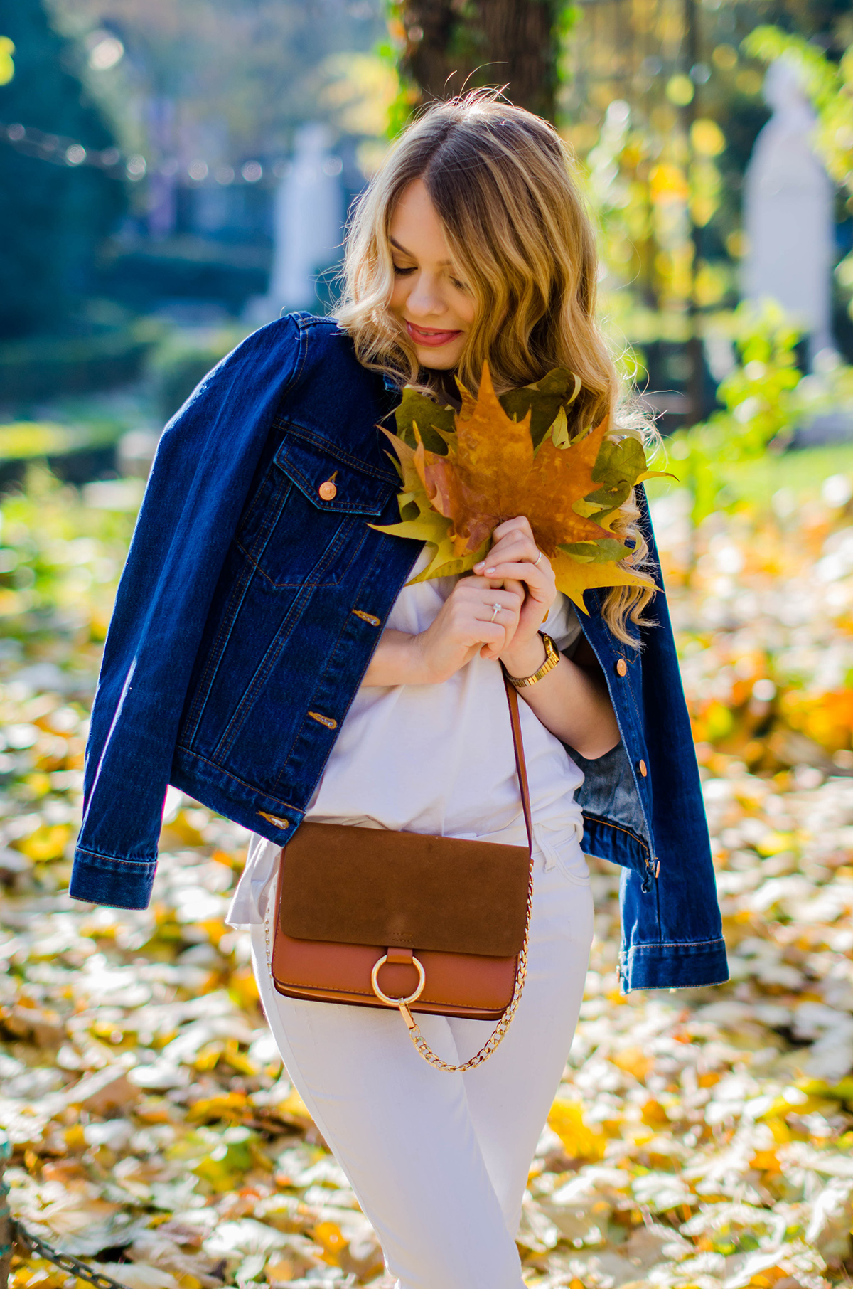 ALL-WHITE-OUTFIT-DENIM-JACKET-CHLOE-BAG-AUTUMN (3)