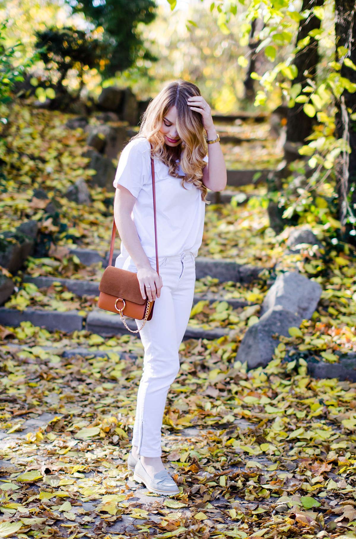 ALL-WHITE-OUTFIT-DENIM-JACKET-CHLOE-BAG-AUTUMN (5)