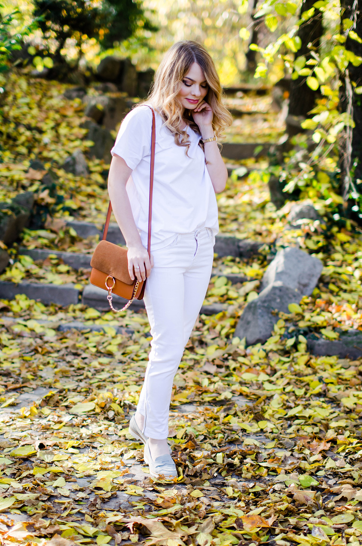 ALL-WHITE-OUTFIT-DENIM-JACKET-CHLOE-BAG-AUTUMN (6)
