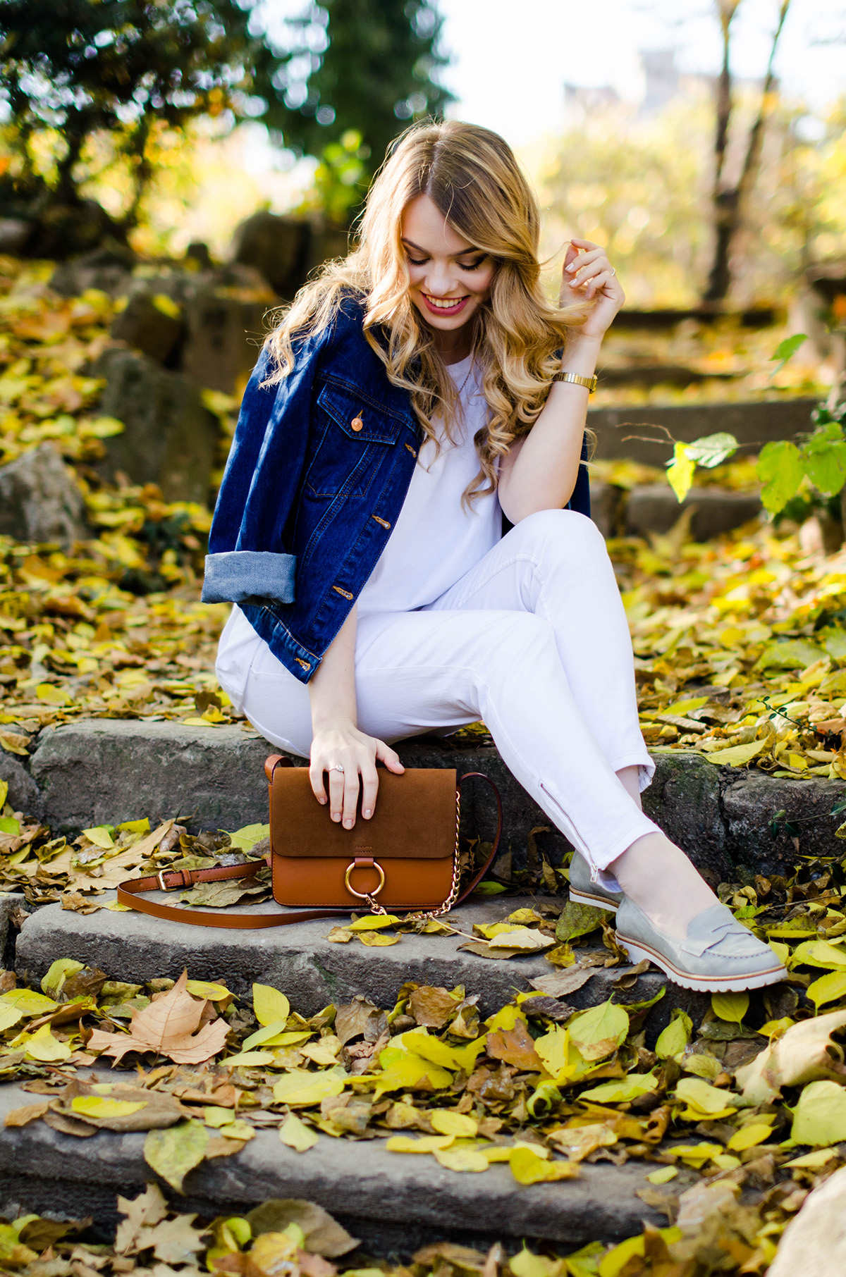 ALL-WHITE-OUTFIT-DENIM-JACKET-CHLOE-BAG-AUTUMN (7)