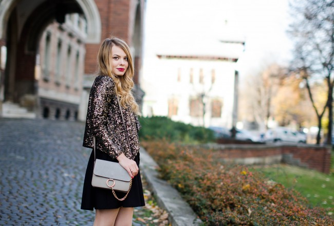 little-black-dress-sequined-blazer-fashion-outfit-pink-wish (13)