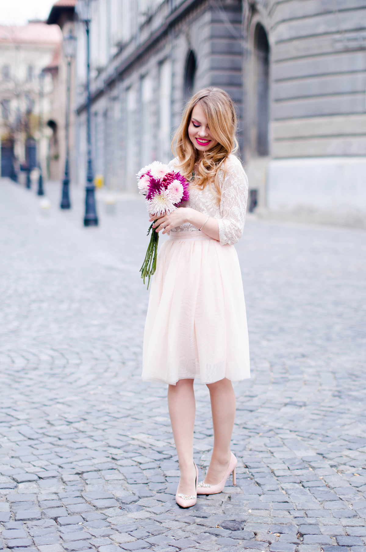 pastel-pink-tulle-skirt-lace-blouse-pink-flowers-feminine-outfit-embellished-pink-heels (17)