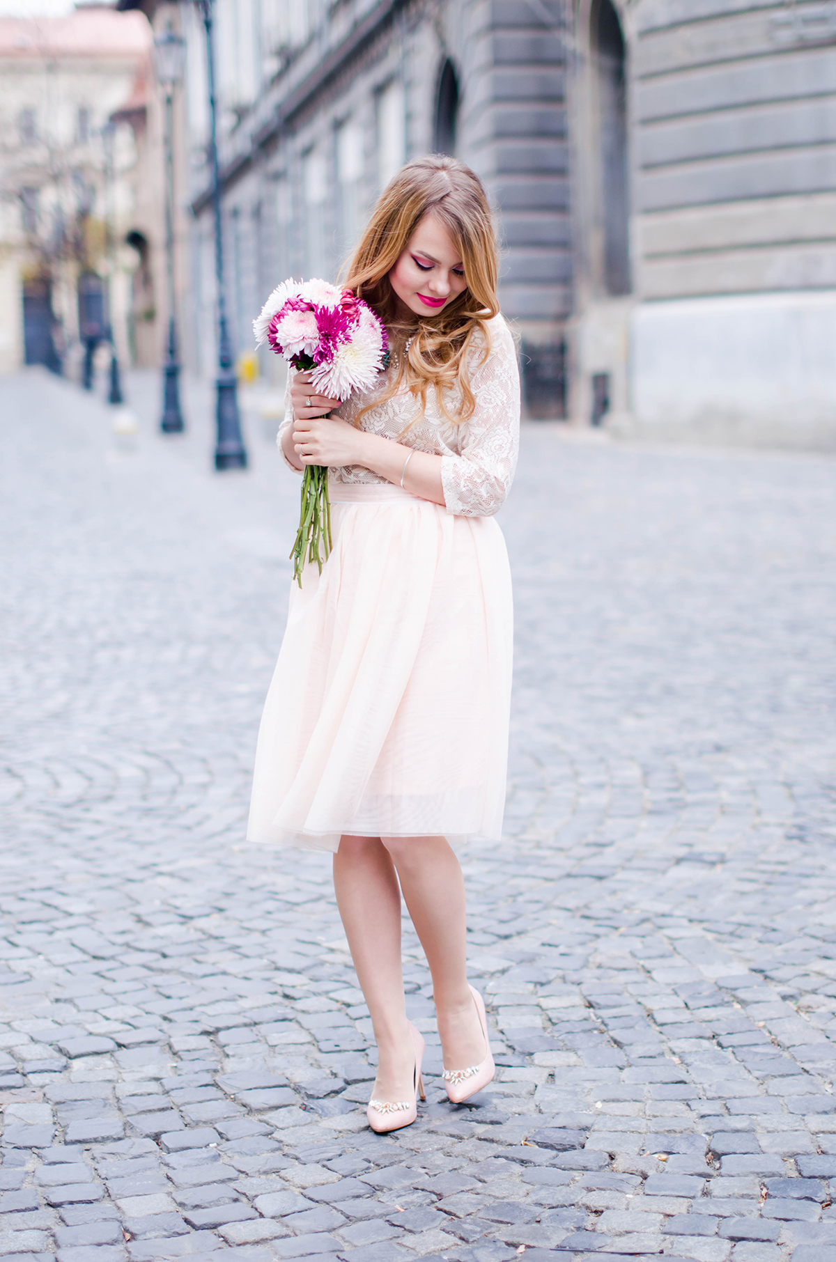 pastel-pink-tulle-skirt-lace-blouse-pink-flowers-feminine-outfit-embellished-pink-heels (18)