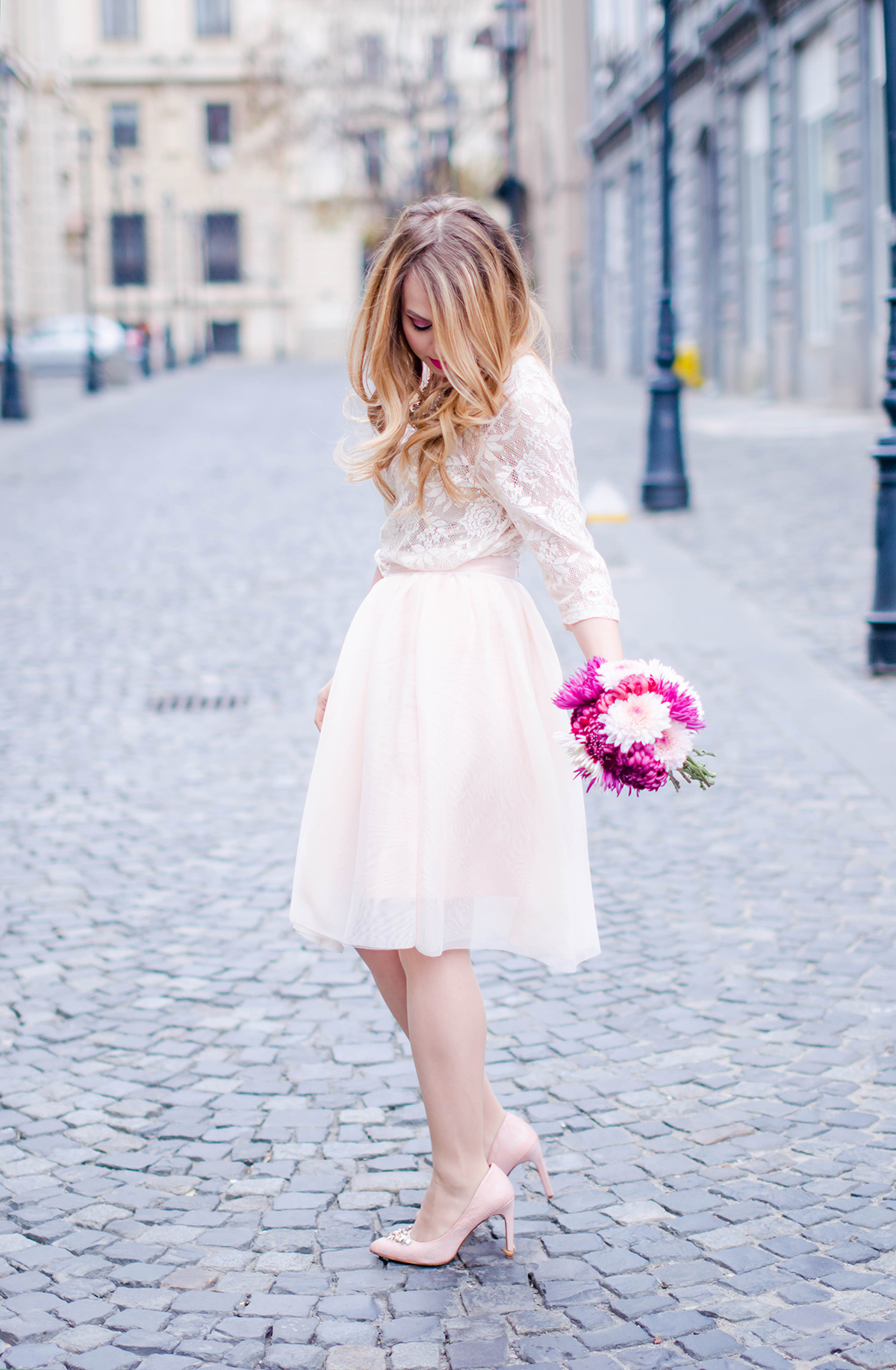 pastel-pink-tulle-skirt-lace-blouse-pink-flowers-feminine-outfit-embellished-pink-heels - 20
