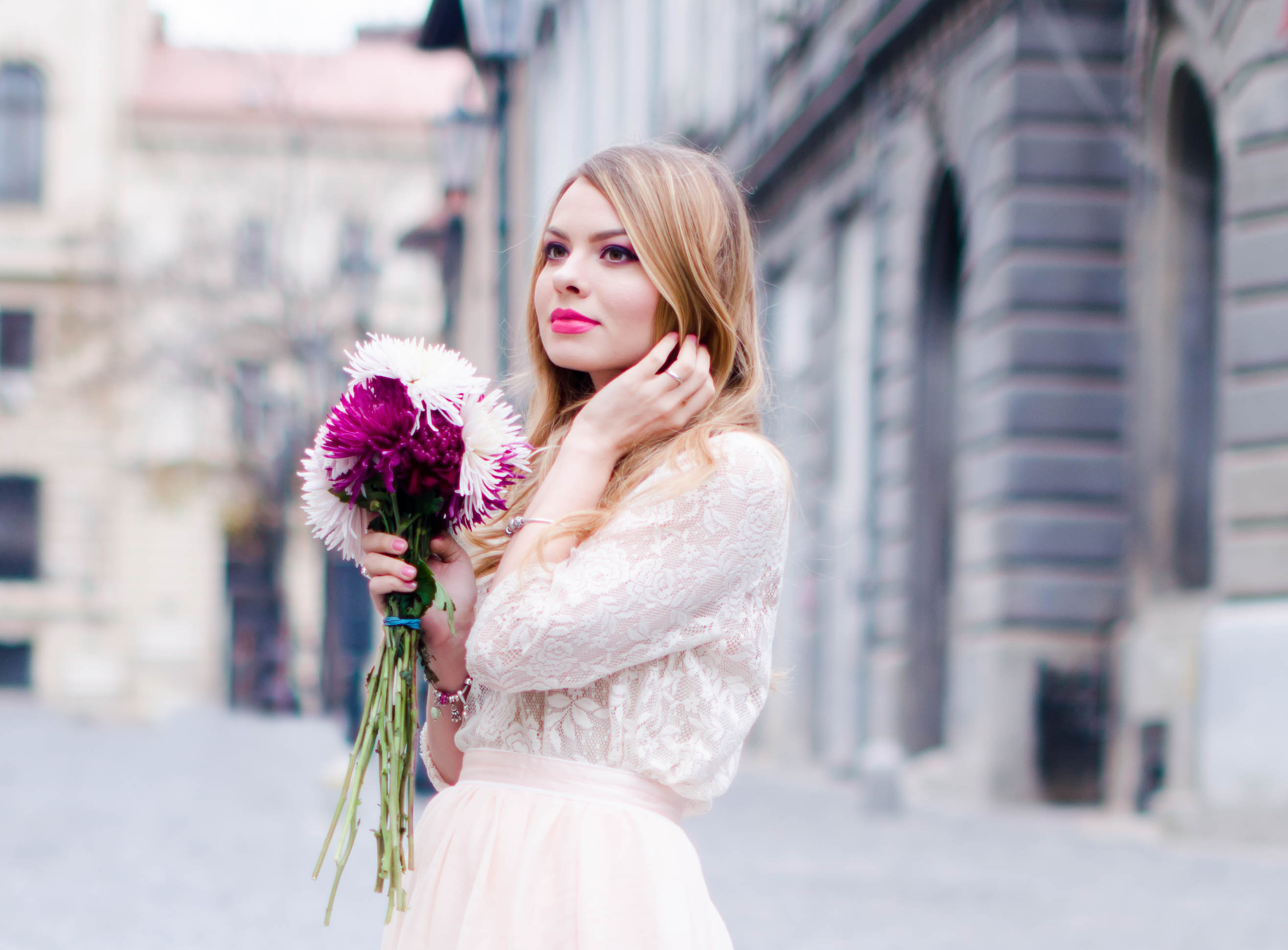 pastel-pink-tulle-skirt-lace-blouse-pink-flowers-feminine-outfit-embellished-pink-heels (4)