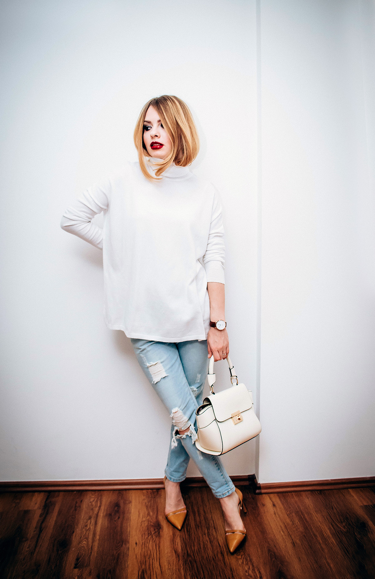 zara-white-turtleneck-ripped-jeans-mustard-stilettos (1)