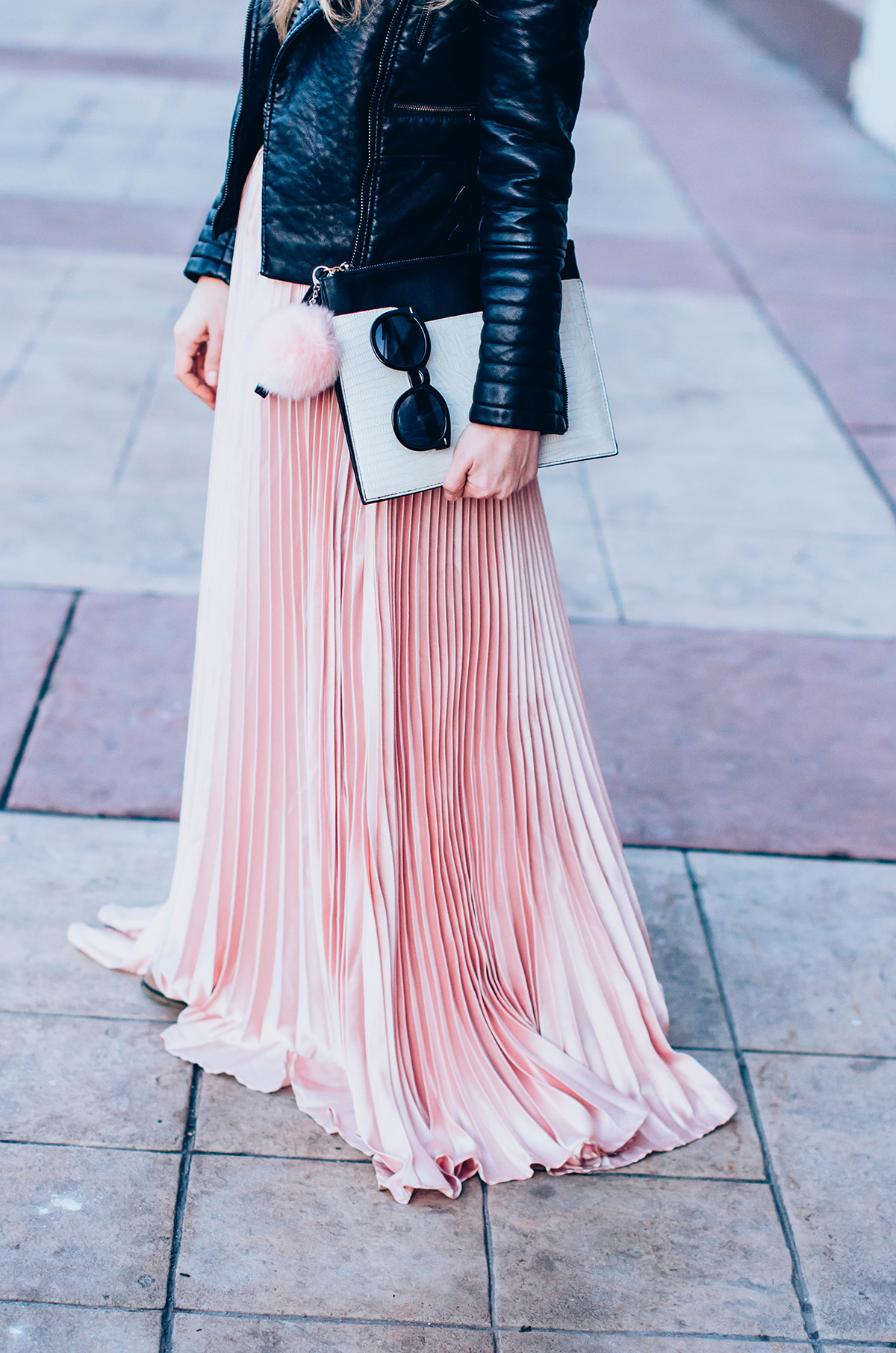 maxi-pink-pleated-skrt-leather-jacket-black-hat-outfit (1)