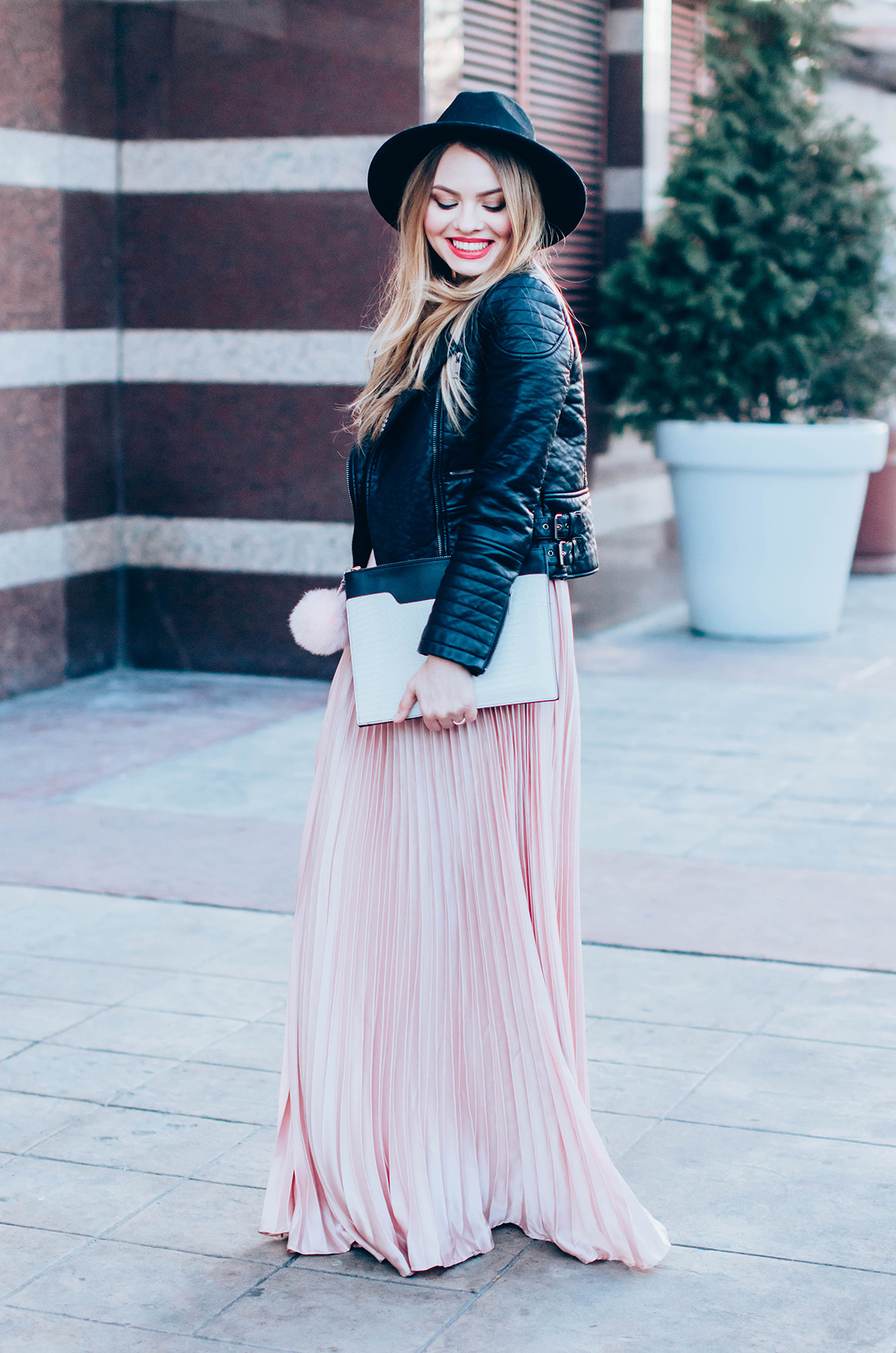 maxi-pink-pleated-skrt-leather-jacket-black-hat-outfit (2)
