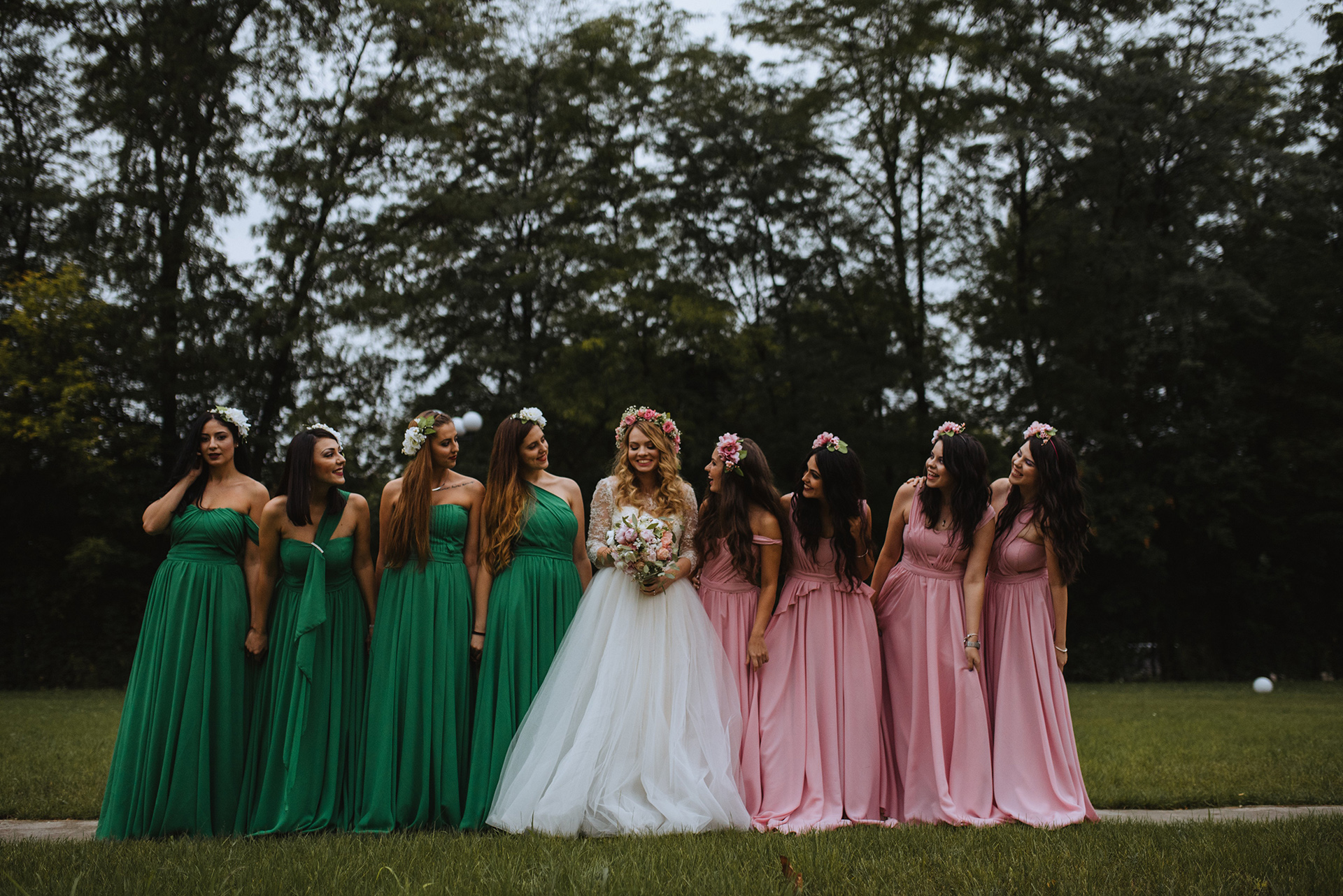 wedding-pink-and-green-bridesmaids-dresses-tulle-and-lace-wedding-dress (10)