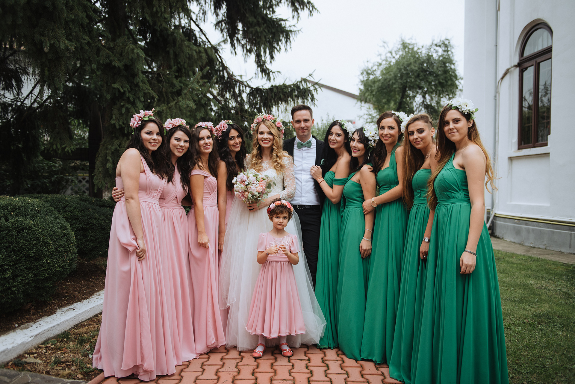 wedding-pink-and-green-bridesmaids-dresses-tulle-and-lace-wedding-dress (7)