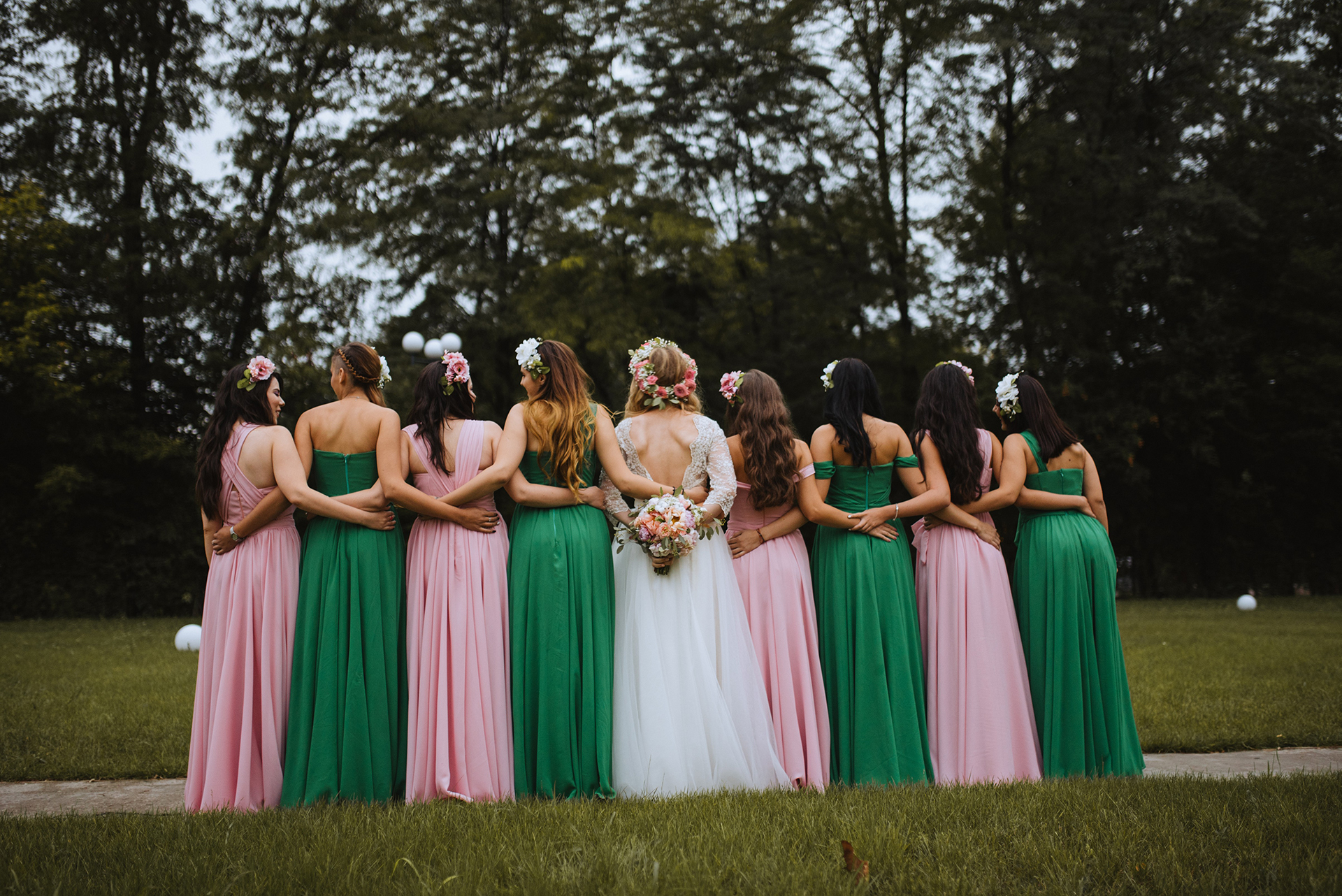 wedding-pink-and-green-bridesmaids-dresses-tulle-and-lace-wedding-dress (9)