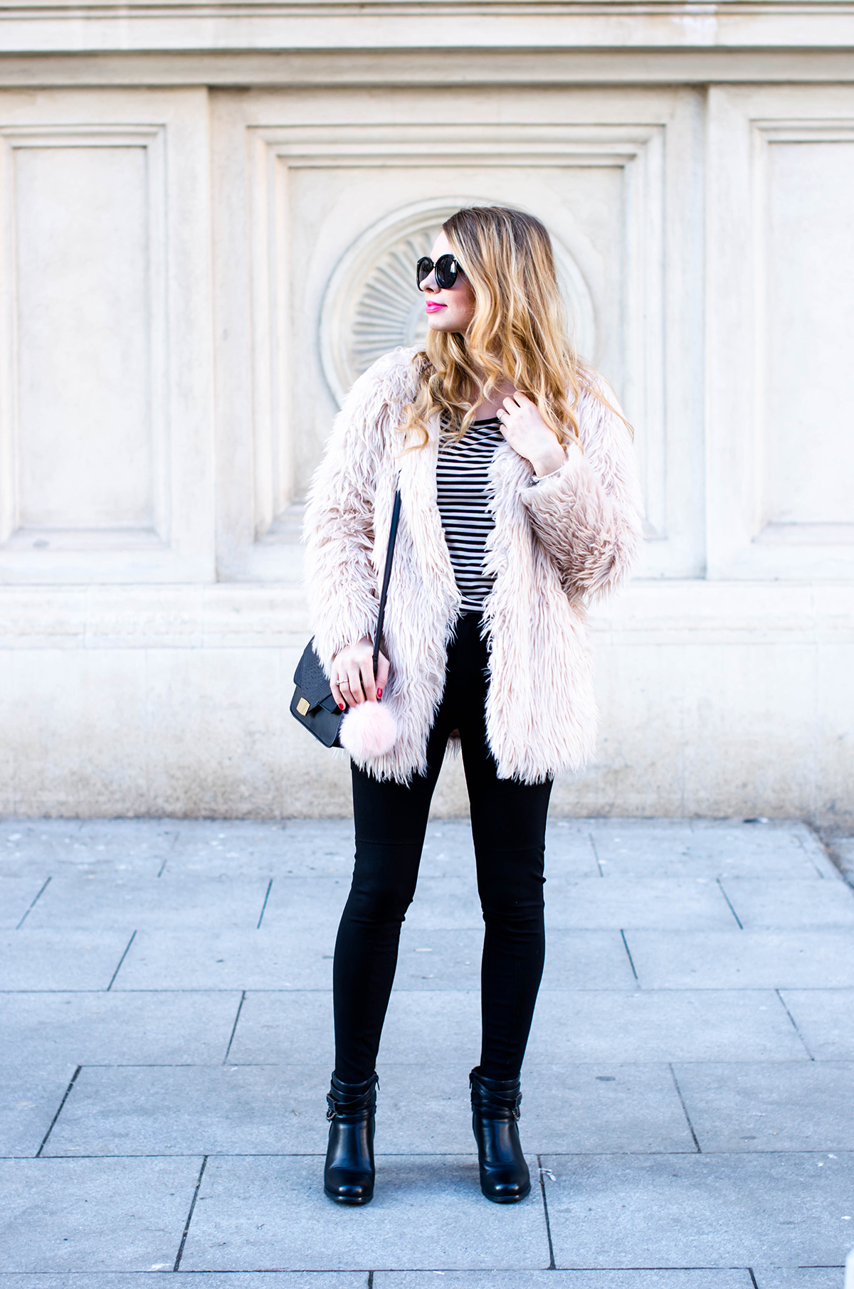 pink-fur-coat-black-pants-ankle-boots (3)