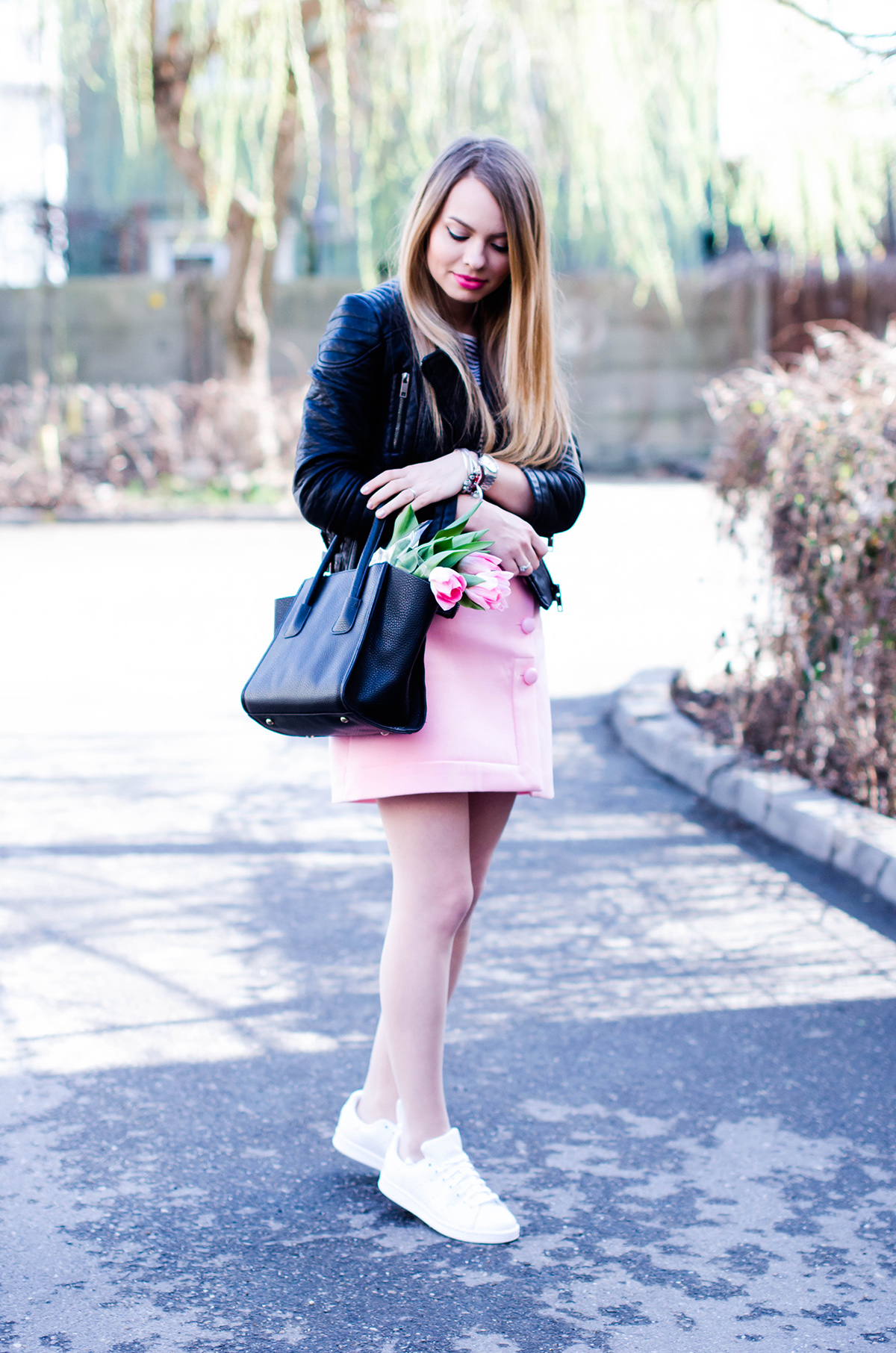 pink-a-line-skirt-adidas-stan-smith-leather-jacket-spring-outfit-pink-tulips (3)