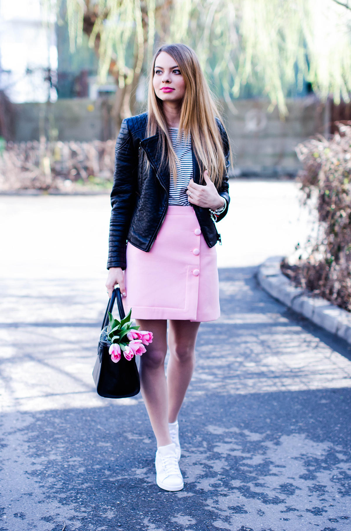 pink-a-line-skirt-adidas-stan-smith-leather-jacket-spring-outfit-pink-tulips (4)