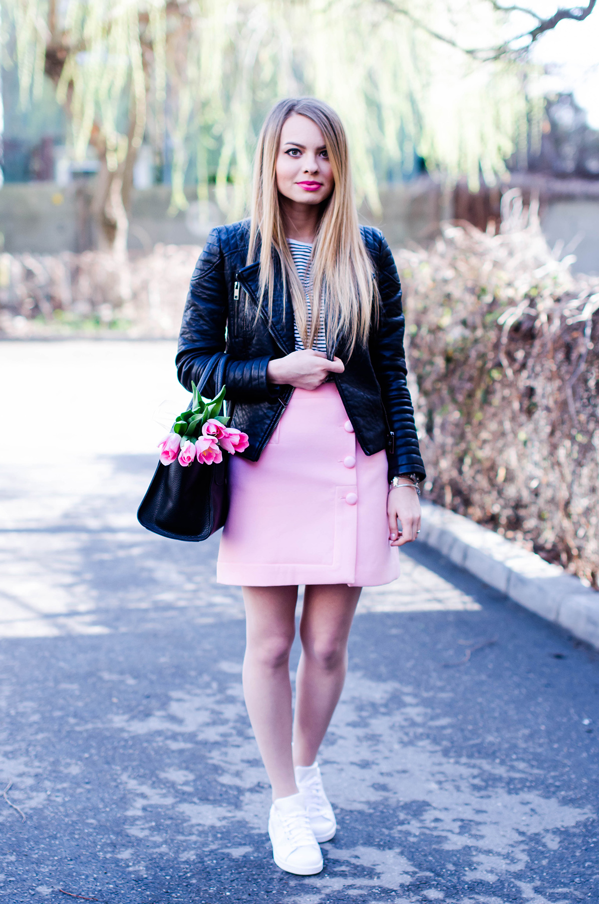 pink-a-line-skirt-adidas-stan-smith-leather-jacket-spring-outfit-pink-tulips (5)
