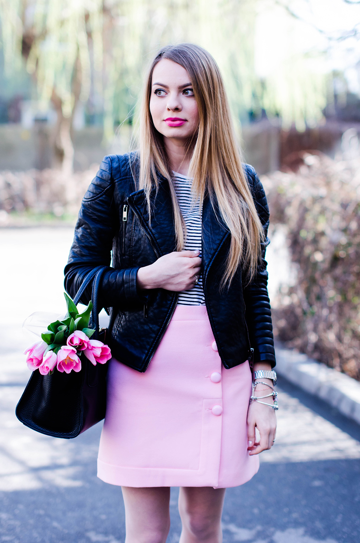 pink-a-line-skirt-adidas-stan-smith-leather-jacket-spring-outfit-pink-tulips (6)