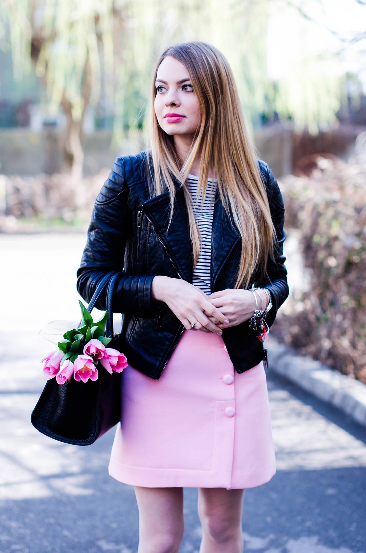 pink-a-line-skirt-adidas-stan-smith-leather-jacket-spring-outfit-pink-tulips (7)