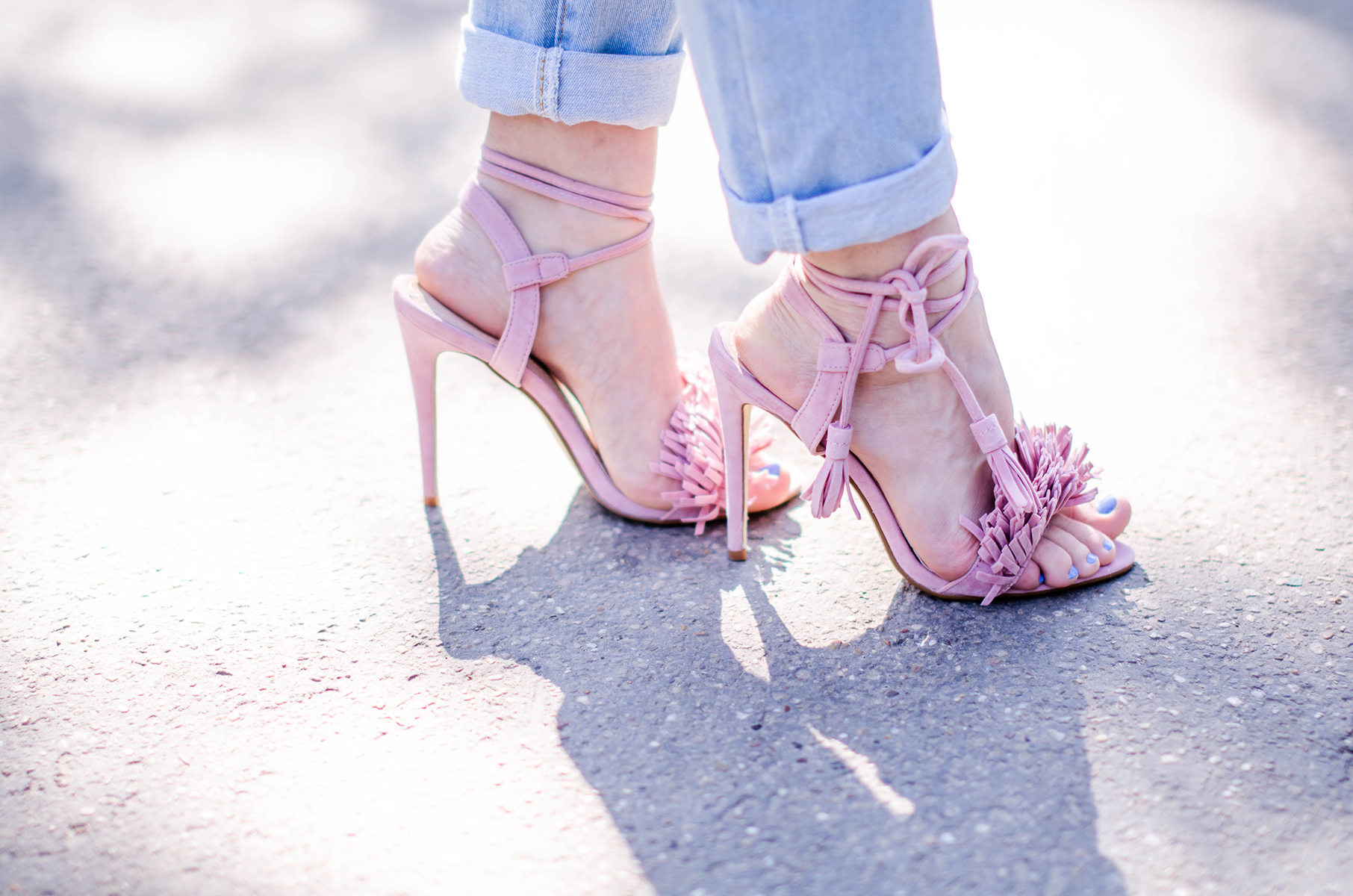 missguided-pink-tassels-sandals (1)