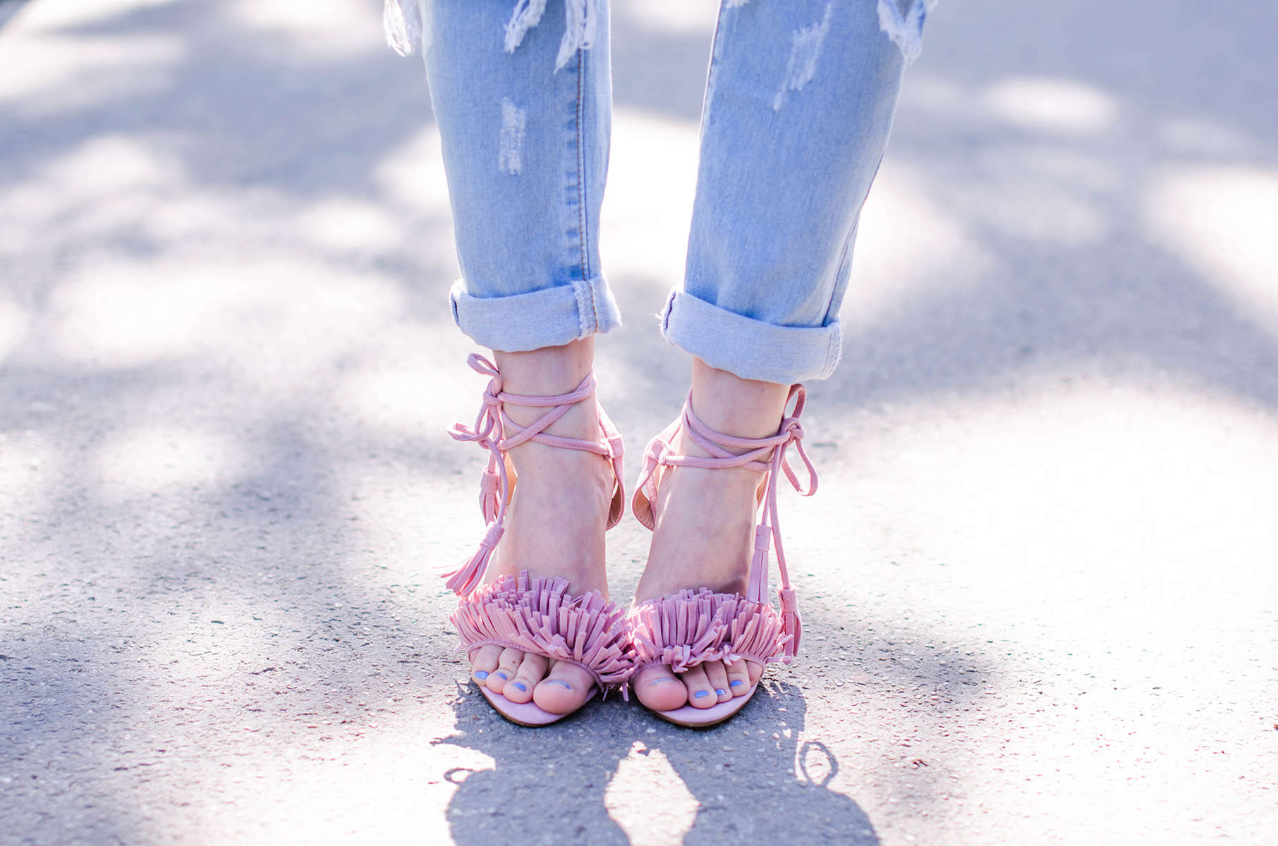 missguided-pink-tassels-sandals (2)