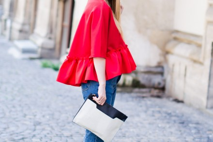 red-ruffle-blouse-mom-jeans-outfit-fashion-blogger-pink-wish (2)