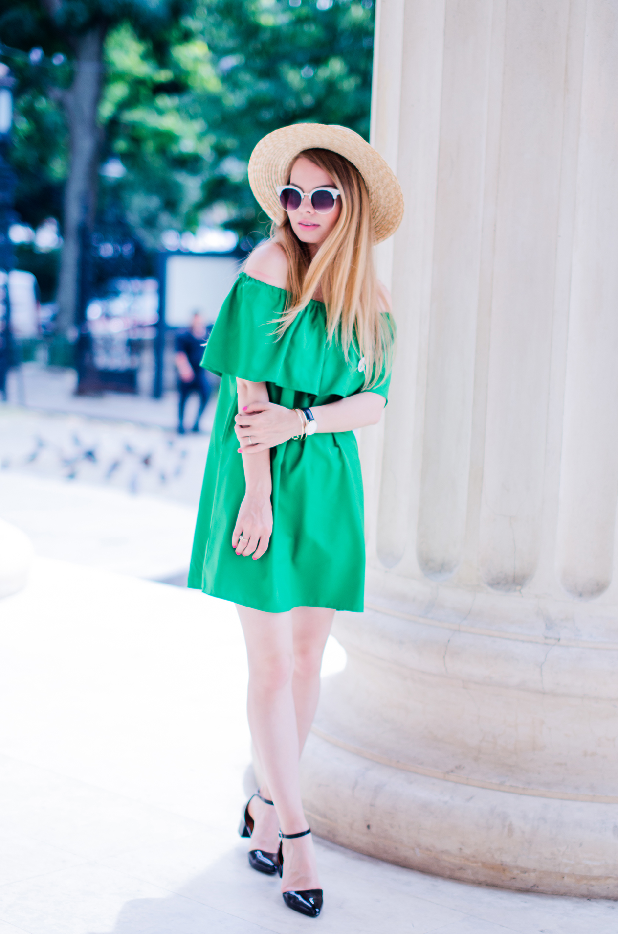 off-shoulder-dress-hm-straw-hat-strappy-shoes (10)