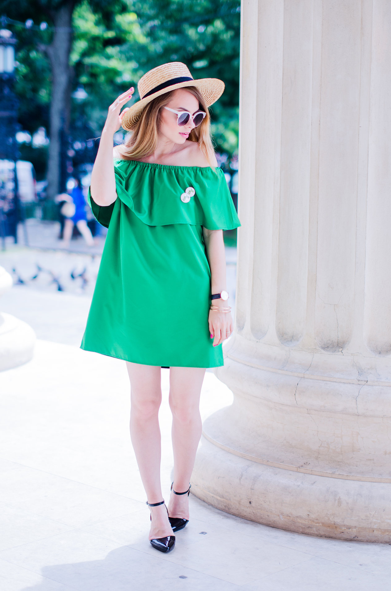 green-off-shoulder-dress-hm-straw-hat-strappy-shoes (2)