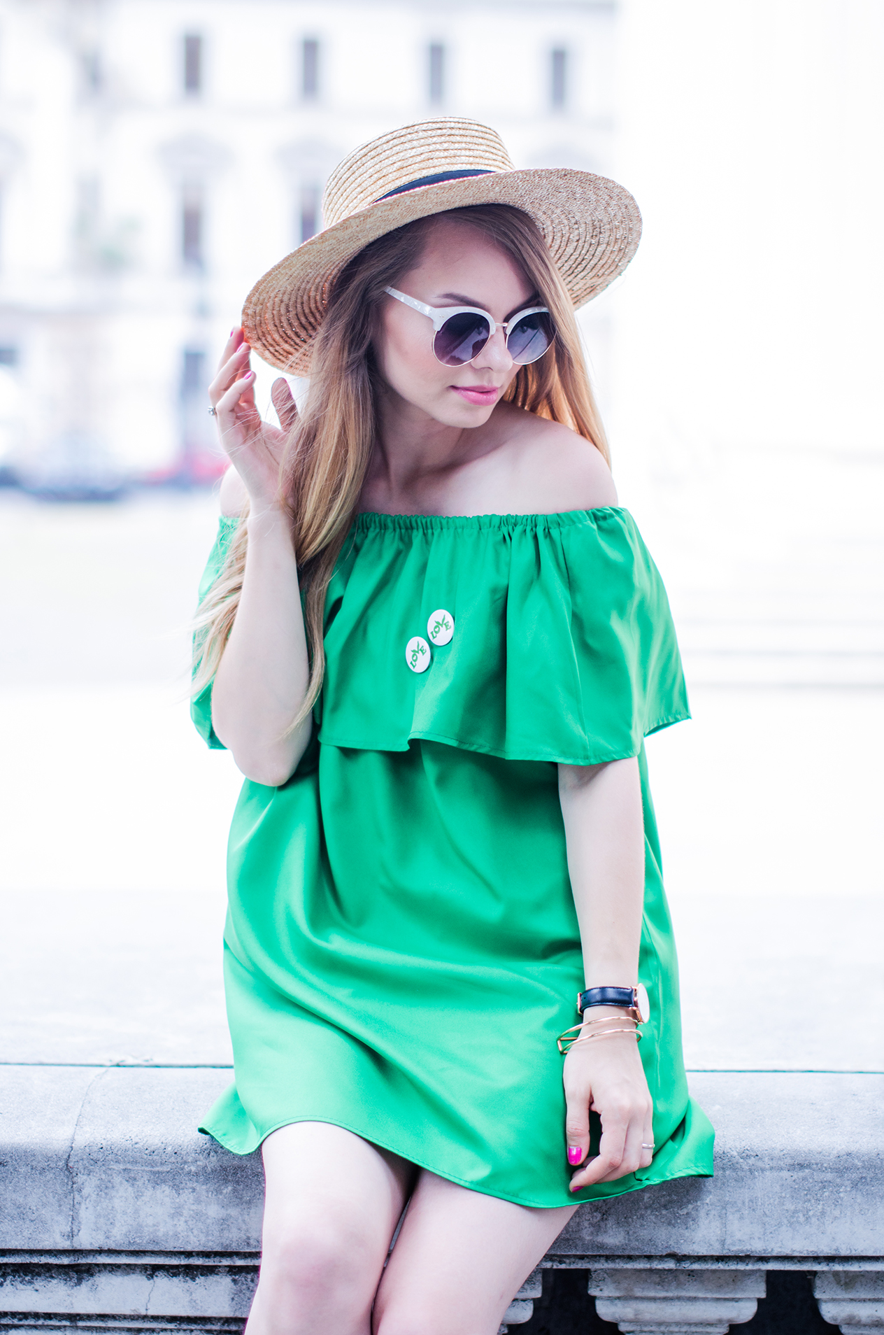 off-shoulder-dress-hm-straw-hat-strappy-shoes (5)