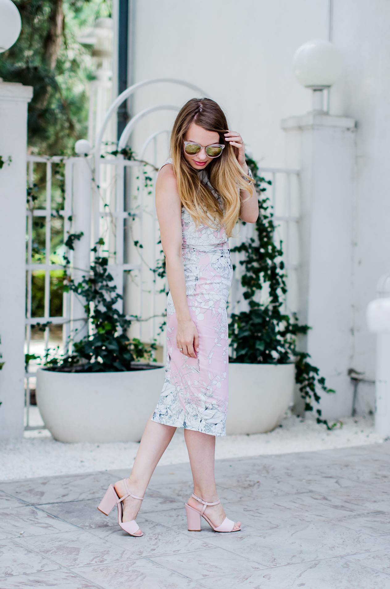 bodycon-midi-pink-dress-pink-sandals-zerouv-sunglasses-fashion-pink-wish-blog (3)