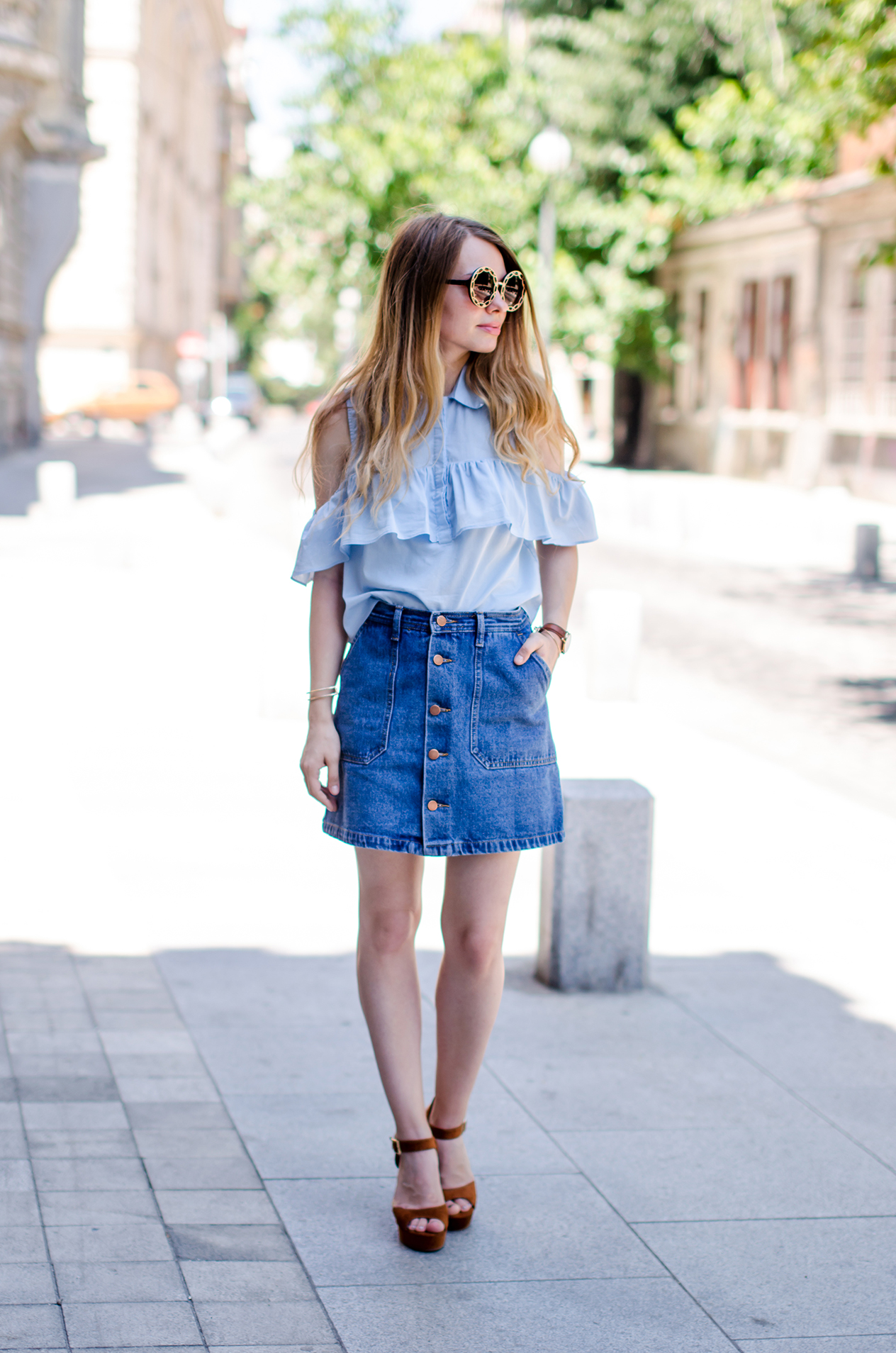 denim-skirt-blue-ruffle-blouse-suede-sandals-daniel-wellington-watch (2)