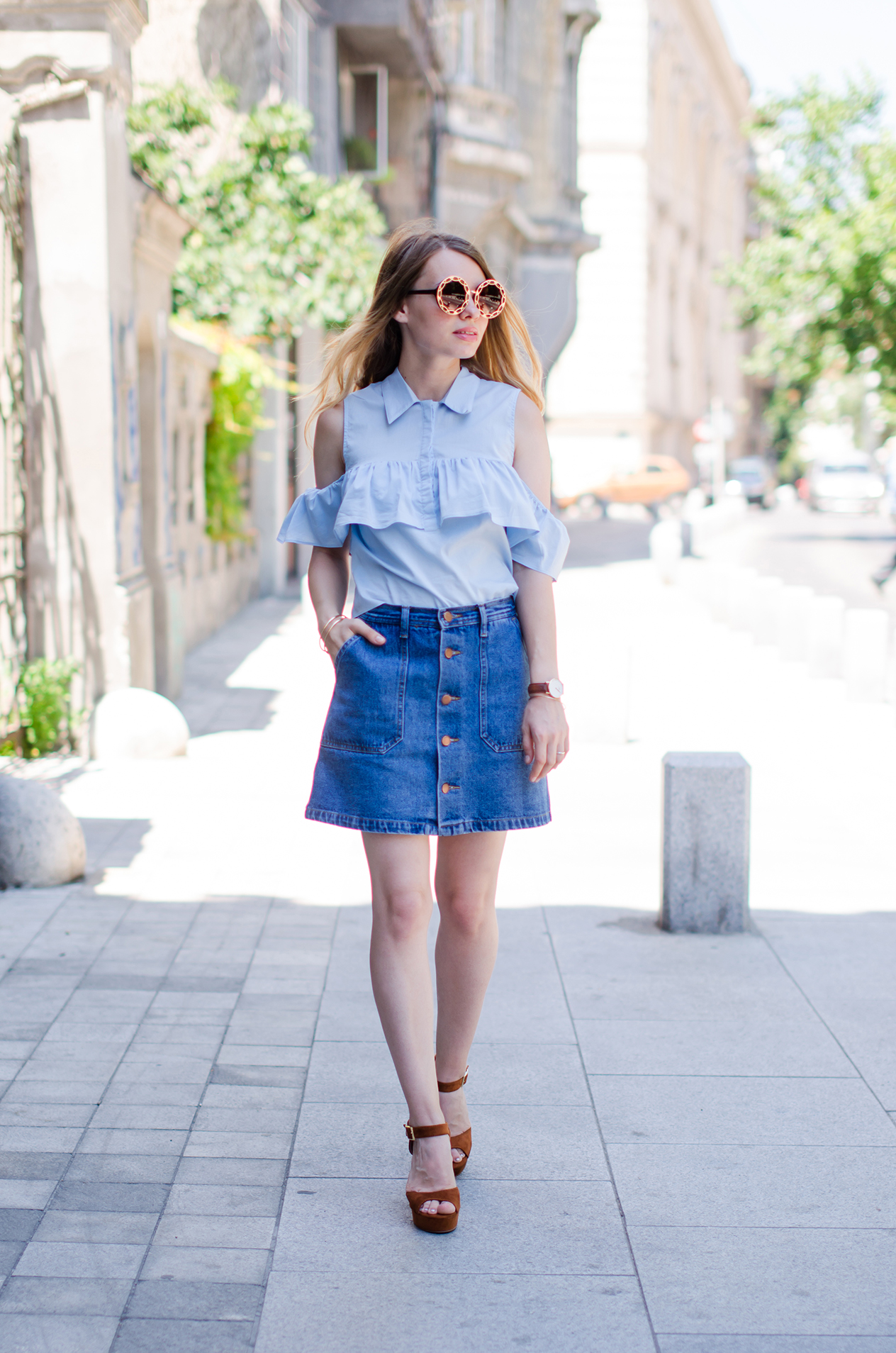 denim-skirt-blue-ruffle-blouse-suede-sandals-daniel-wellington-watch (6)