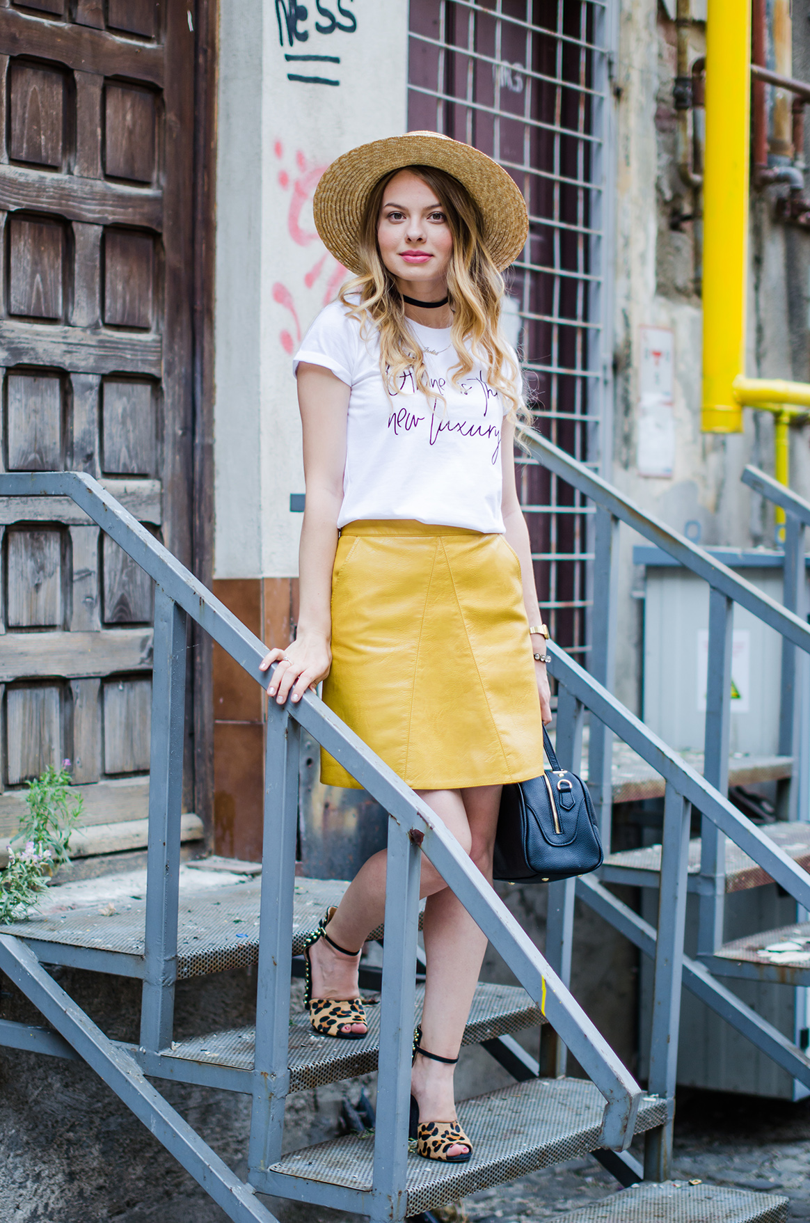 mustard-leather-skirt-straw-hat-choker (10)