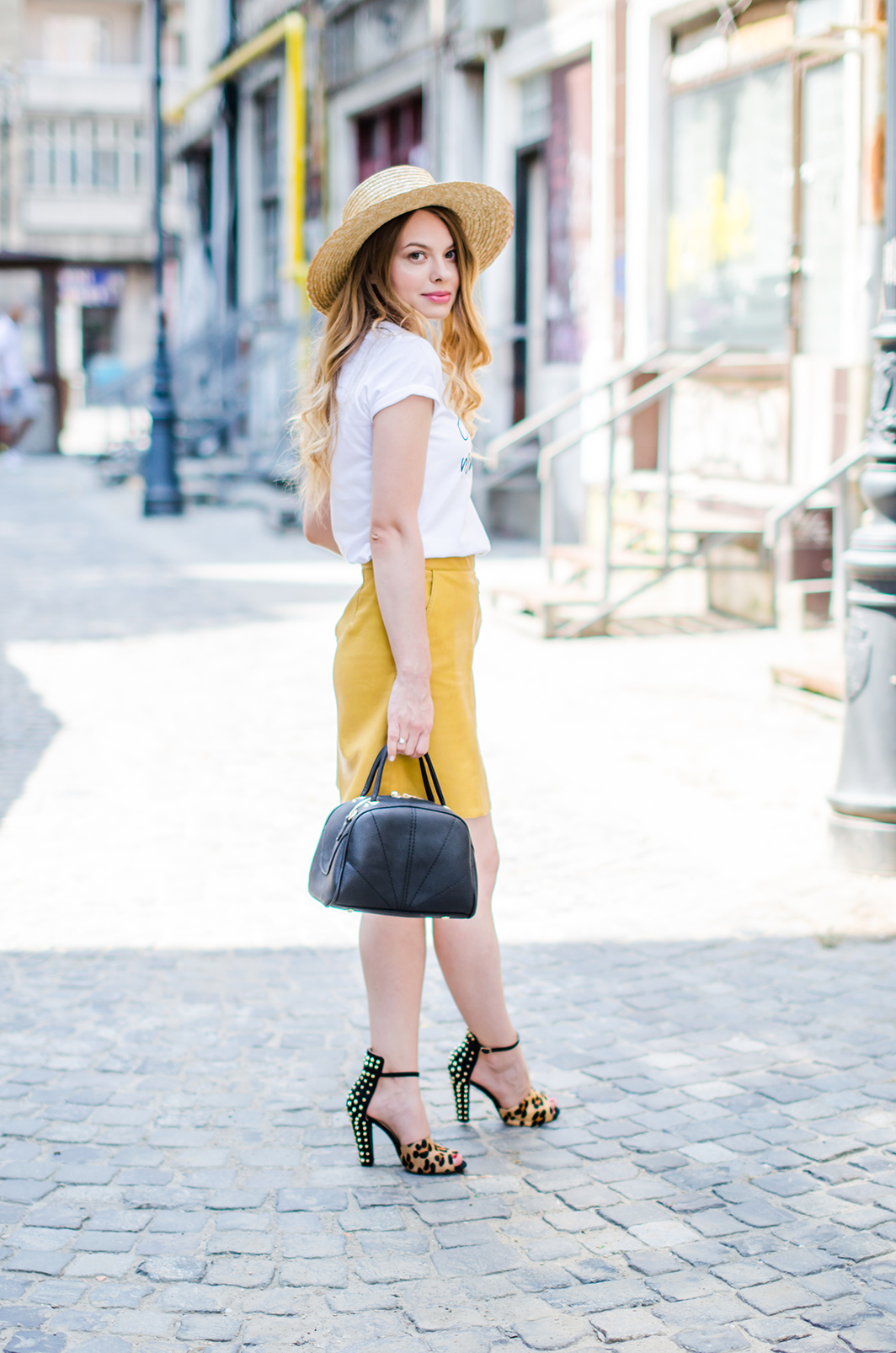 mustard-leather-skirt-straw-hat-choker (3)