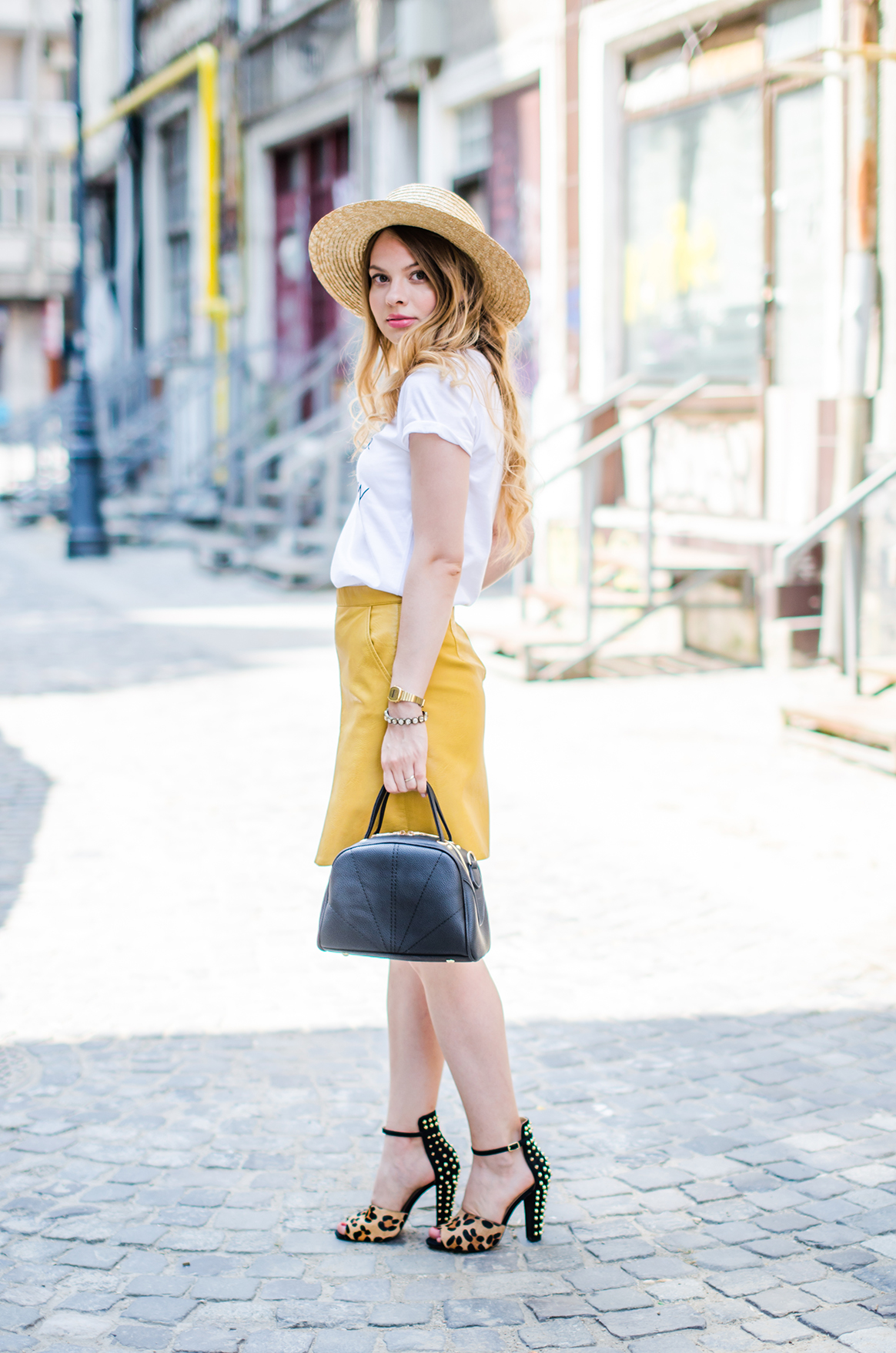 mustard-leather-skirt-straw-hat-choker (5)