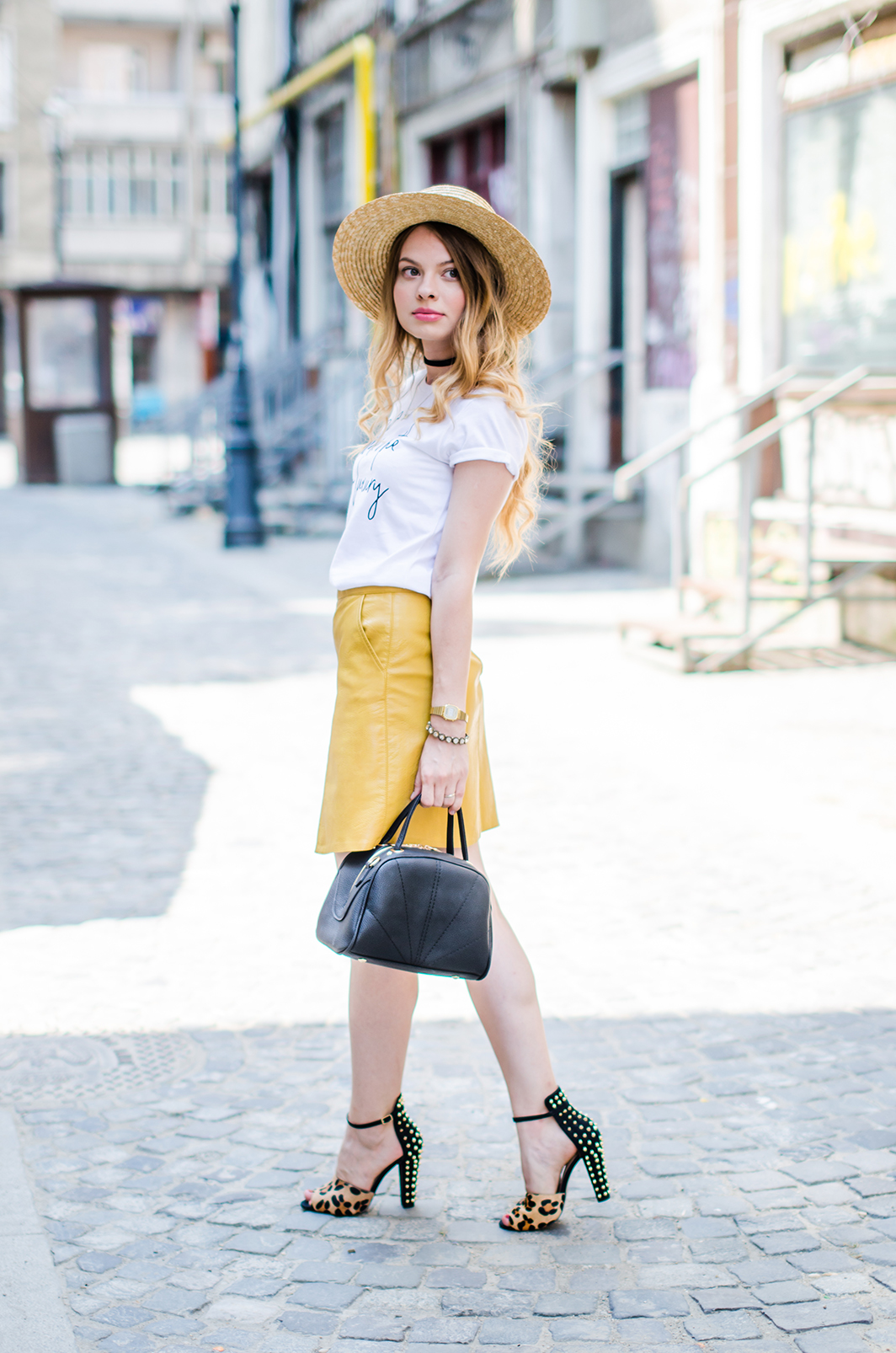 mustard-leather-skirt-straw-hat-choker (6)