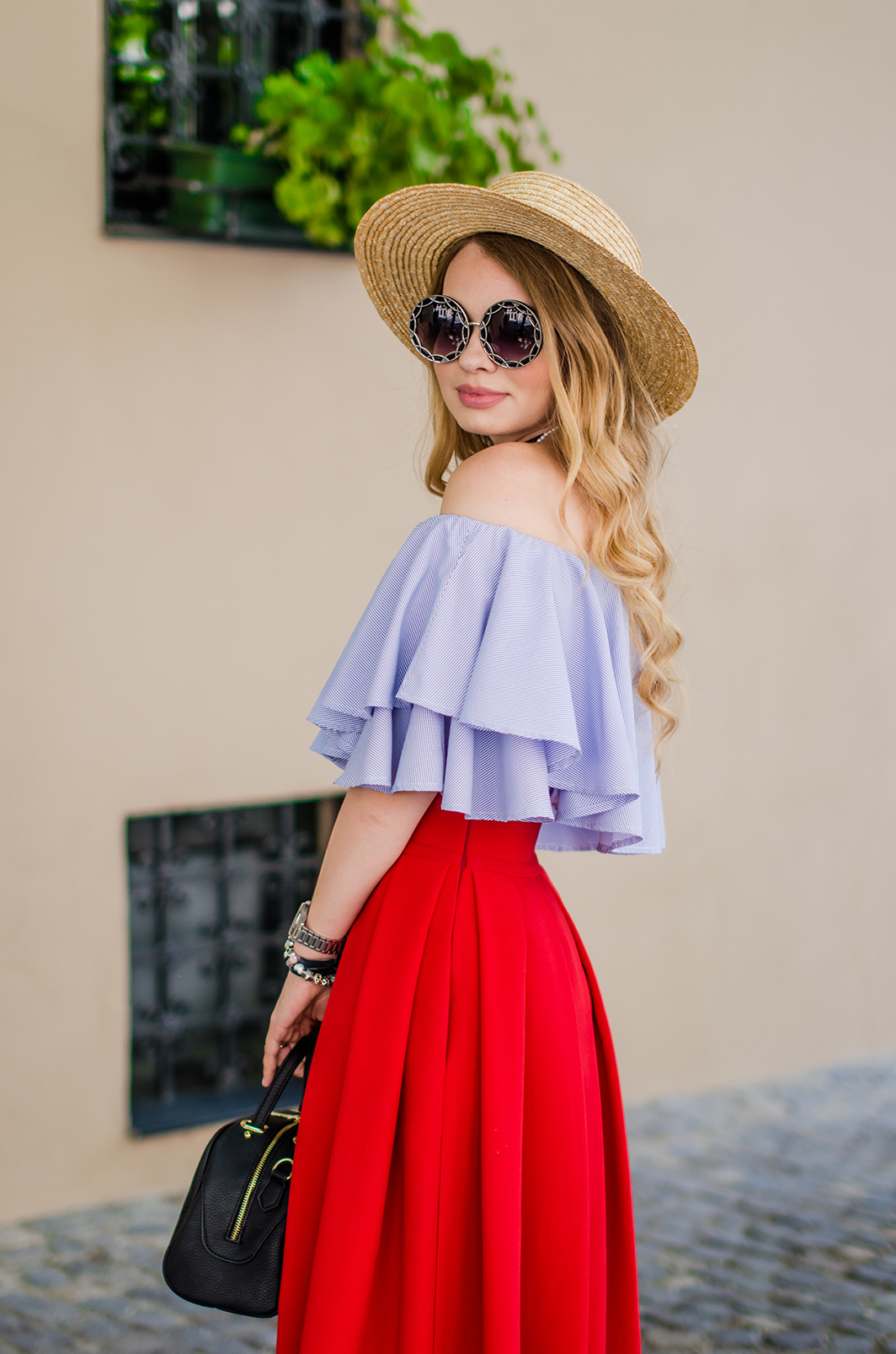 off-shoulder-blouse-red-midi-skirt-straw-hat (18)