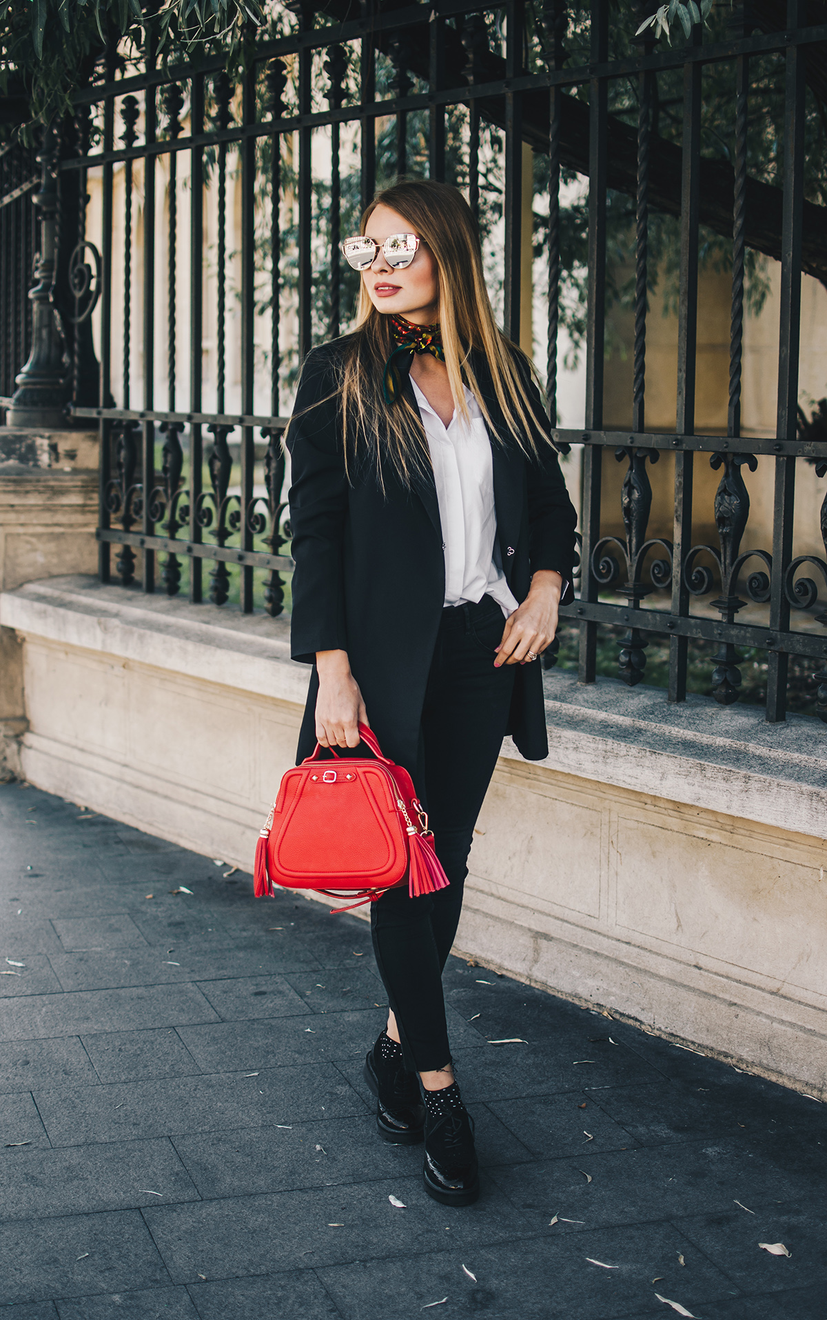 black-and-white-outfit-zerouv-sunglasses-red-bag-vintage-scarf-3