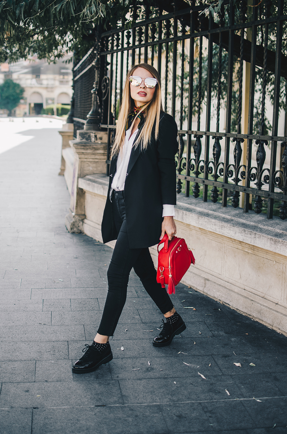 black-and-white-outfit-zerouv-sunglasses-red-bag-vintage-scarf-4