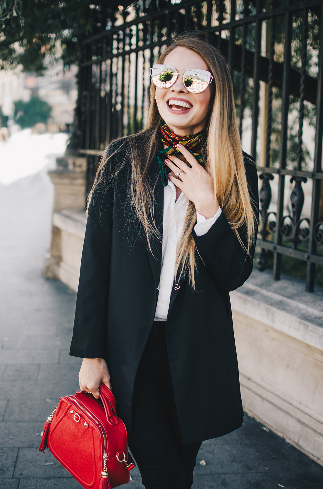 black-and-white-outfit-zerouv-sunglasses-red-bag-vintage-scarf-6