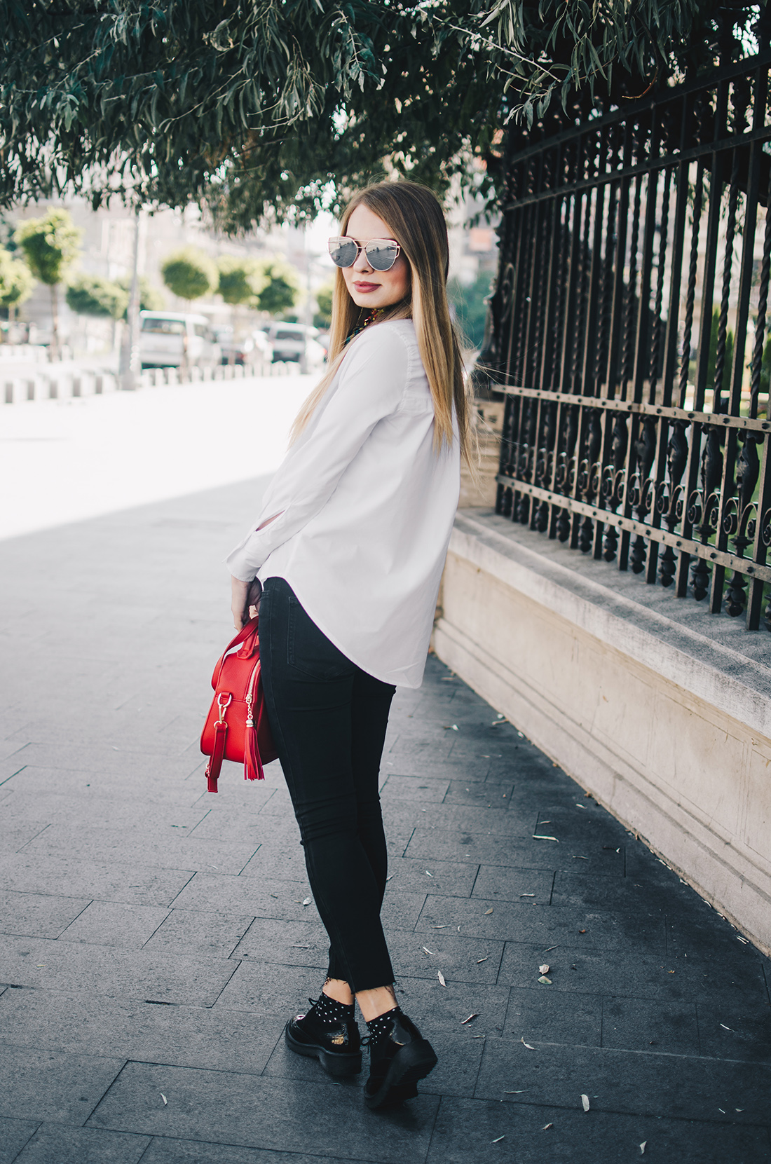 black-and-white-outfit-zerouv-sunglasses-red-bag-vintage-scarf-9