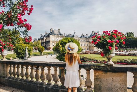 paris-jardin-luxembourg-pink-wish-french-outfit-1