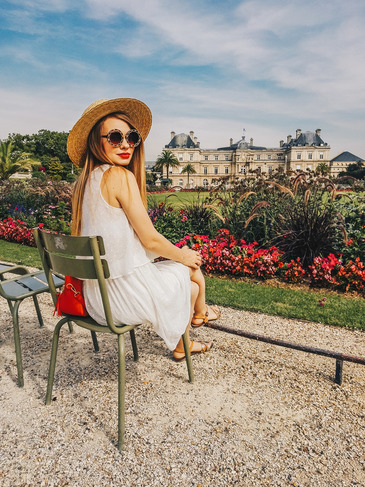 paris-jardin-luxembourg-pink-wish-french-outfit-3